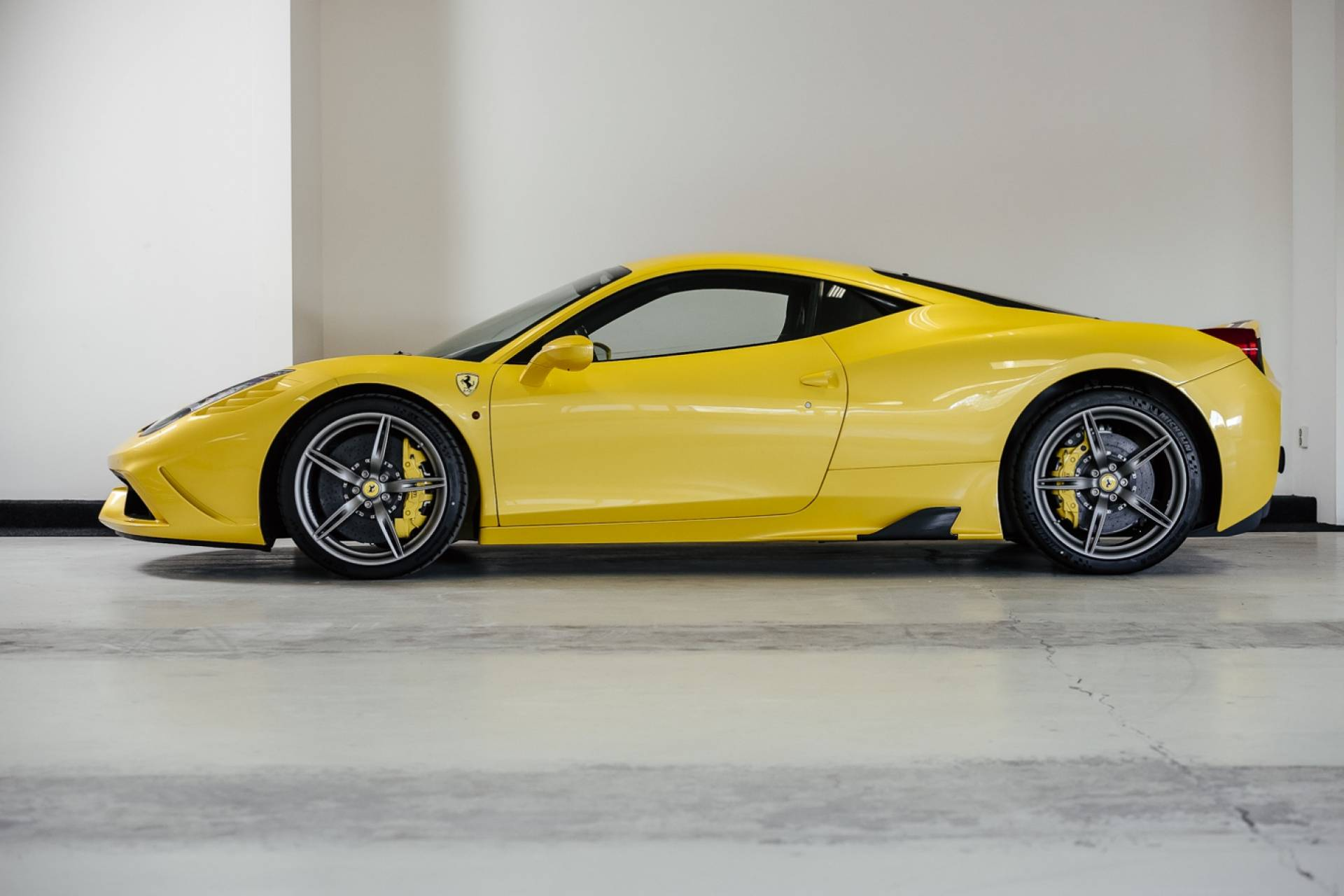 Ferrari_458_Speciale_for_sale_0001