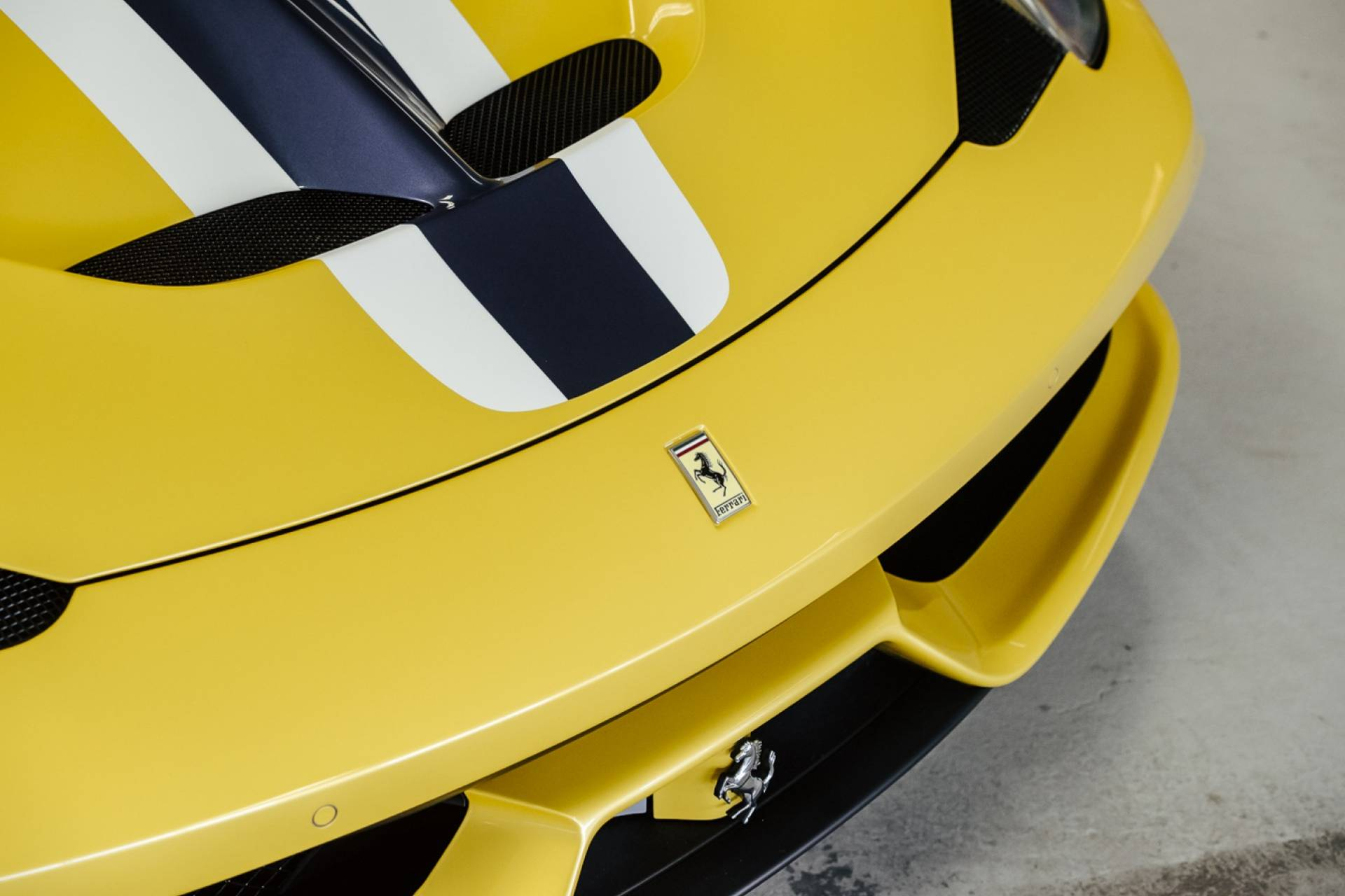 Ferrari_458_Speciale_for_sale_0014