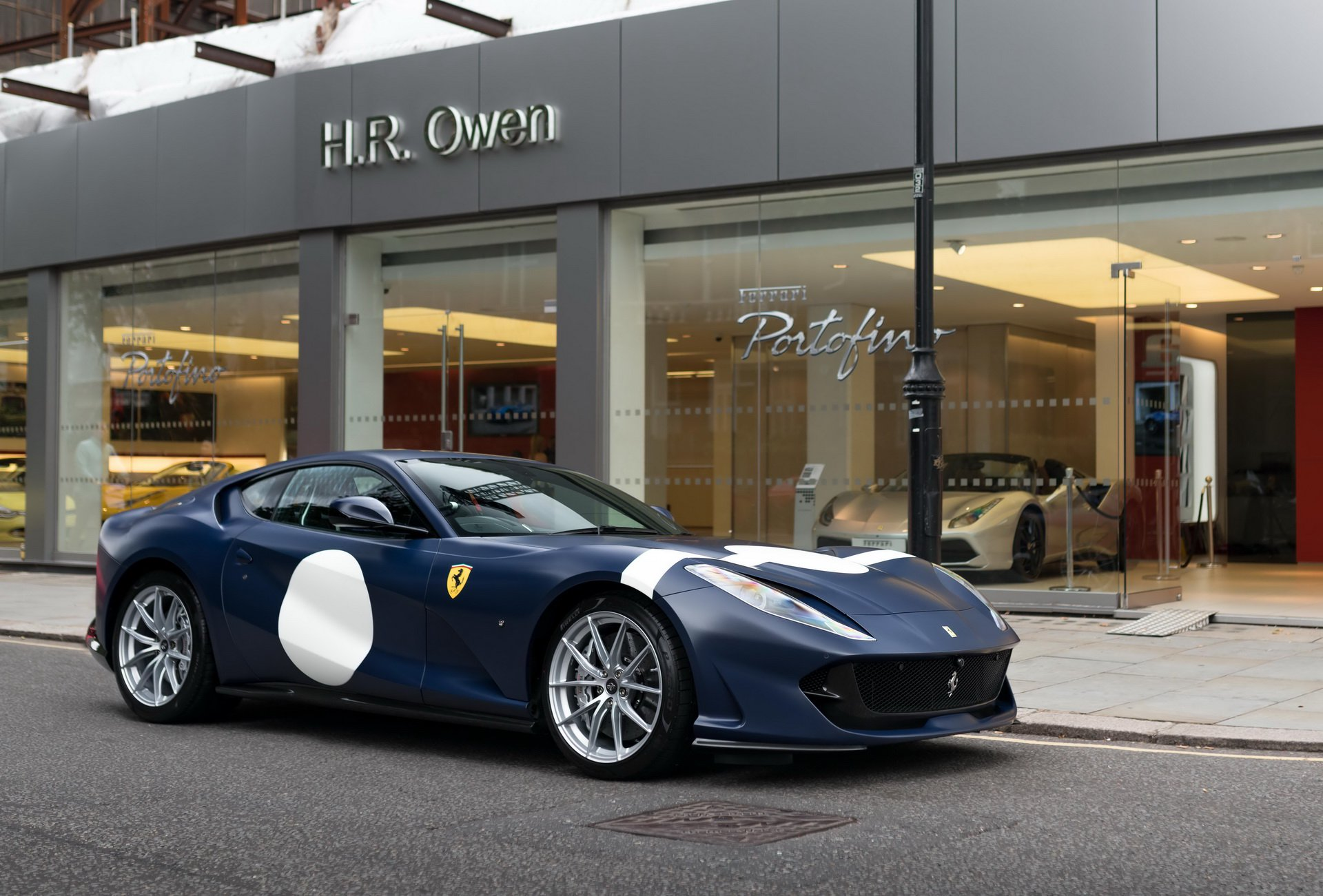 Ferrari_812_Superfast_Tailor_Made_0000