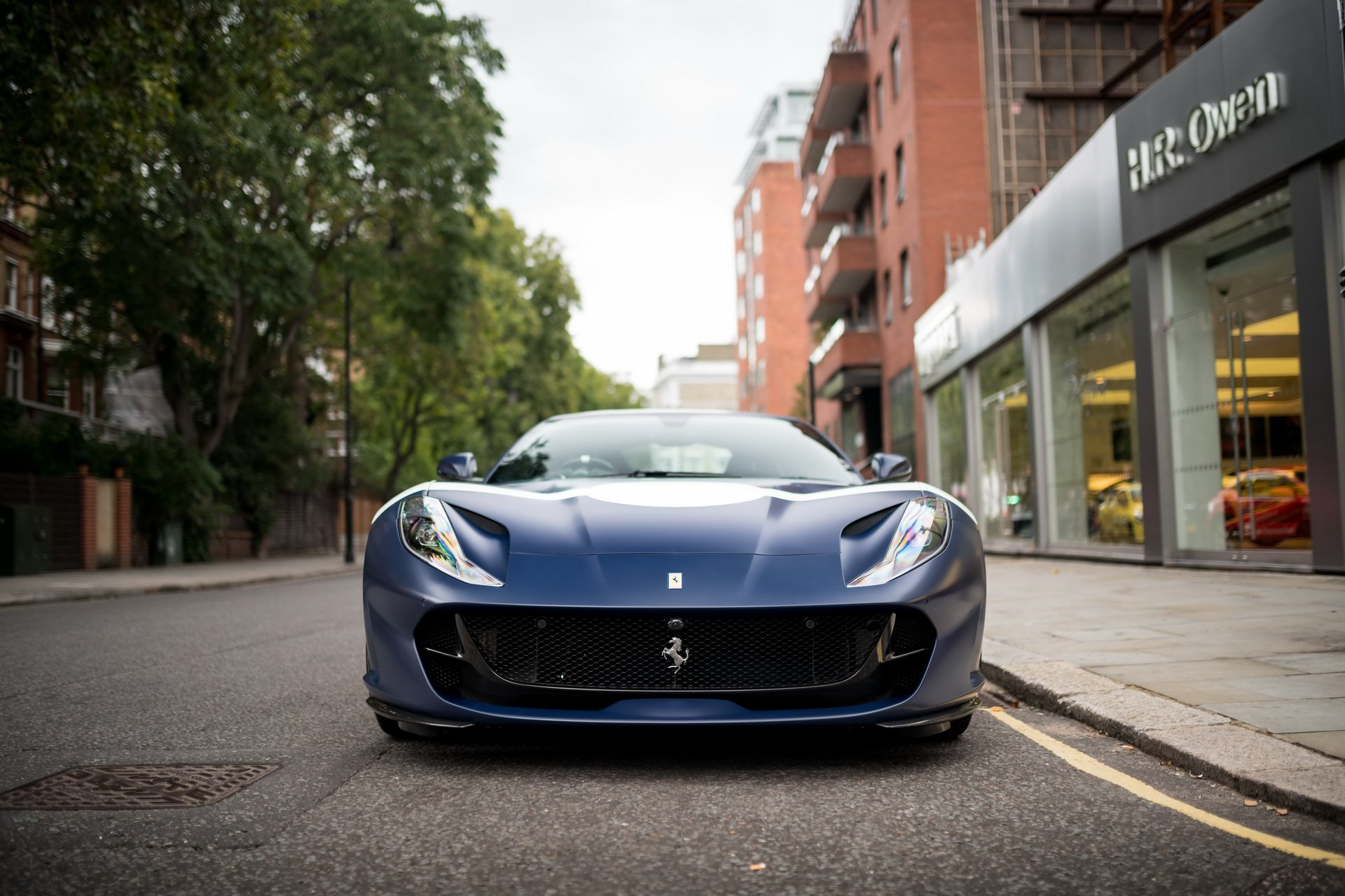 Ferrari_812_Superfast_Tailor_Made_0001