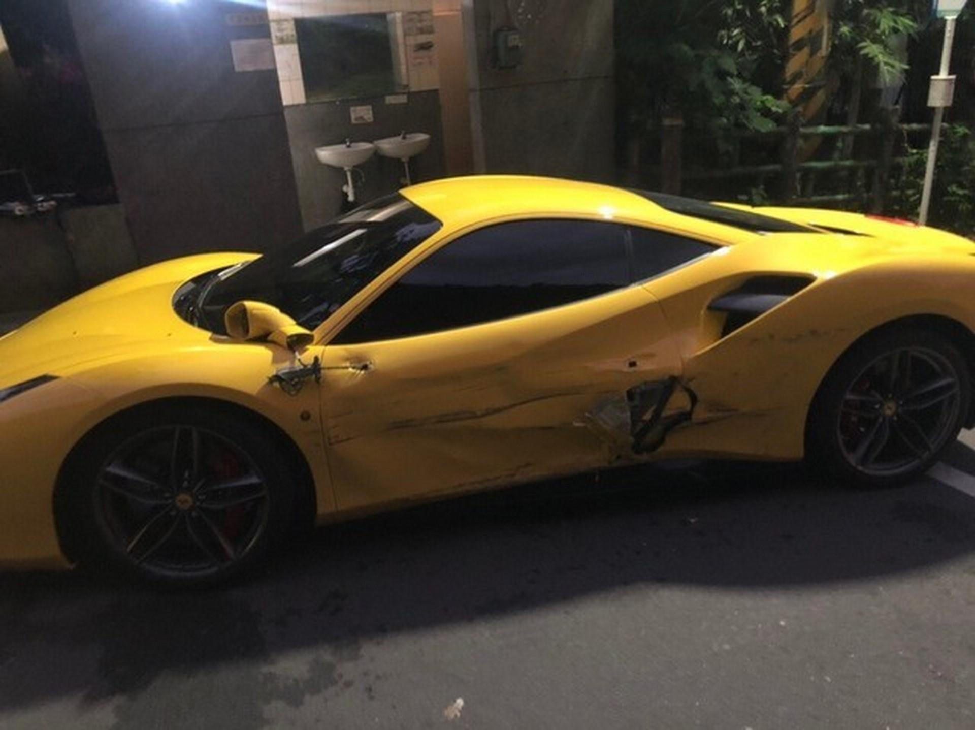 Ferrari Crash Taiwan (4)