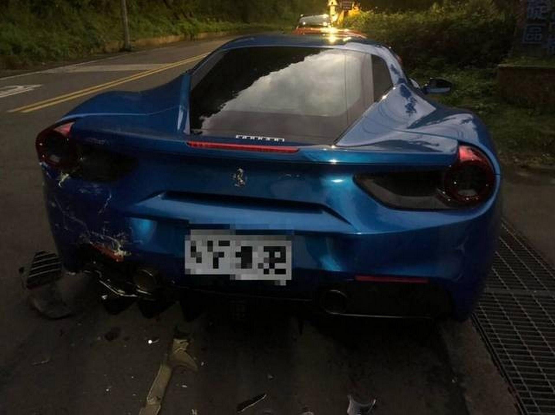 Ferrari Crash Taiwan (5)