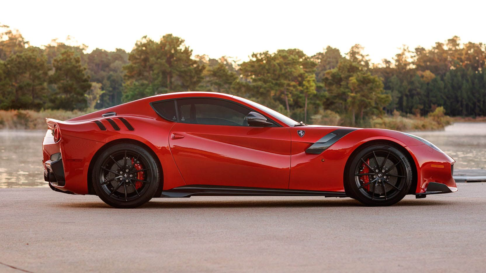 Ferrari_F12_TdF_for_sale_0000