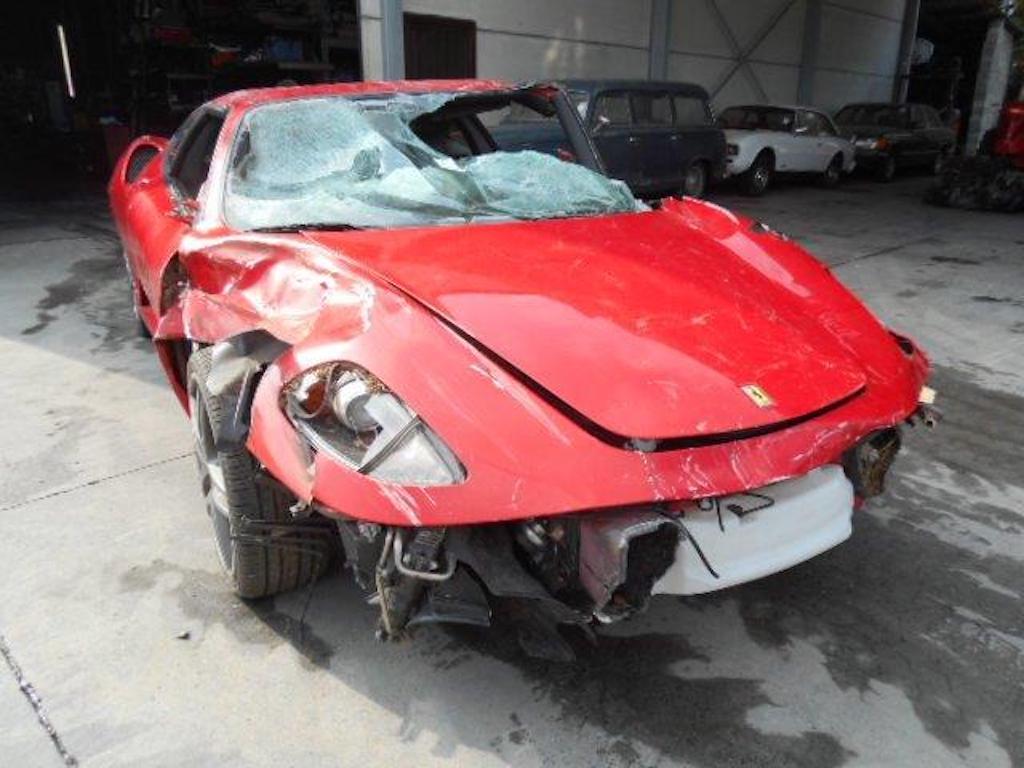 Ferrari F430 and Rolls Royce Ghost crash (1)