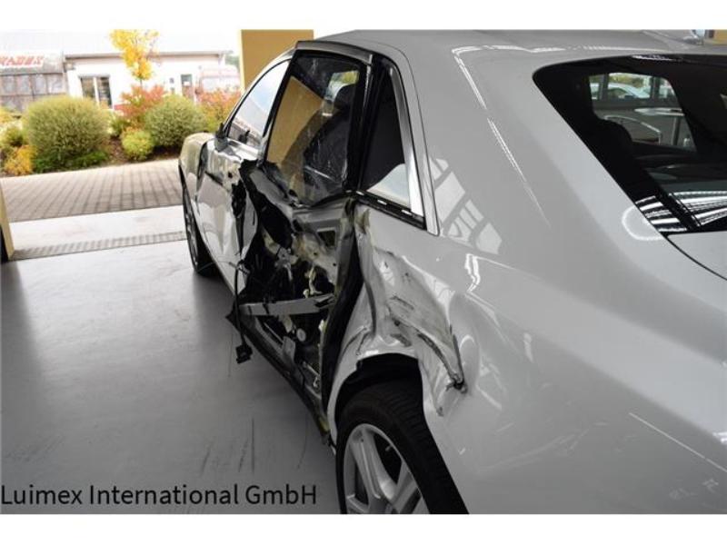Ferrari F430 and Rolls Royce Ghost crash (14)