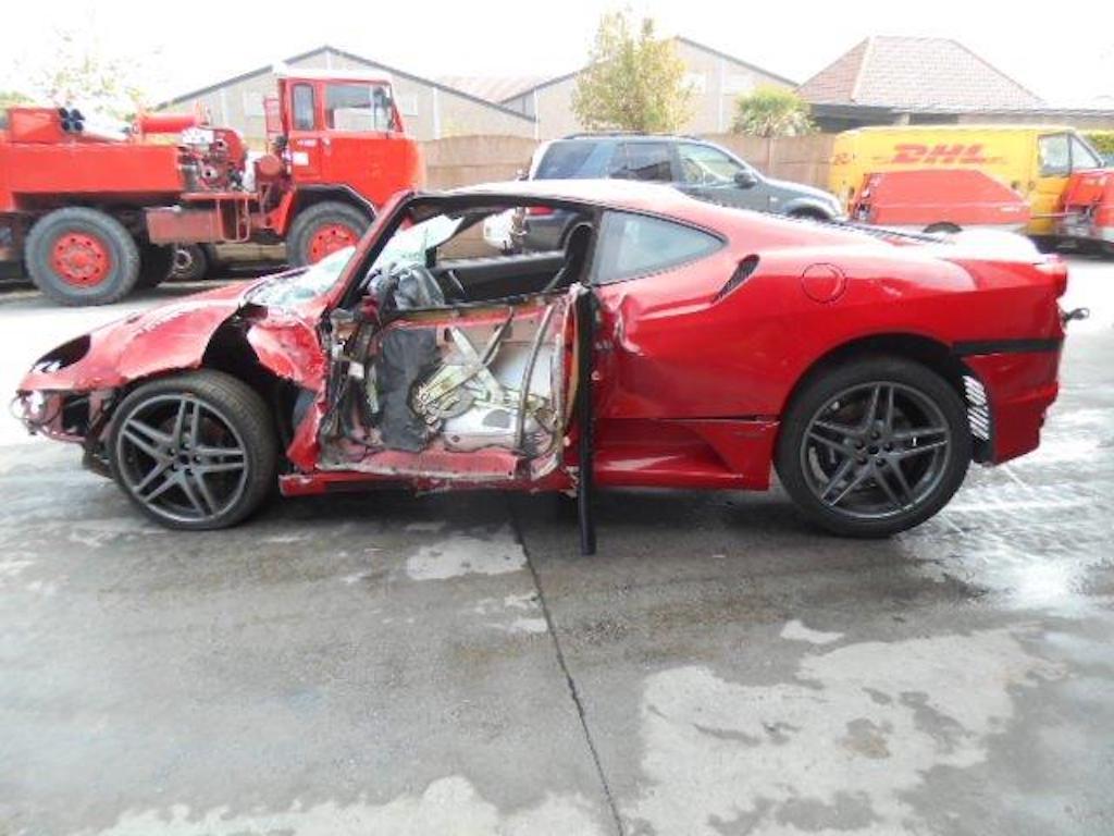 Ferrari F430 and Rolls Royce Ghost crash (3)