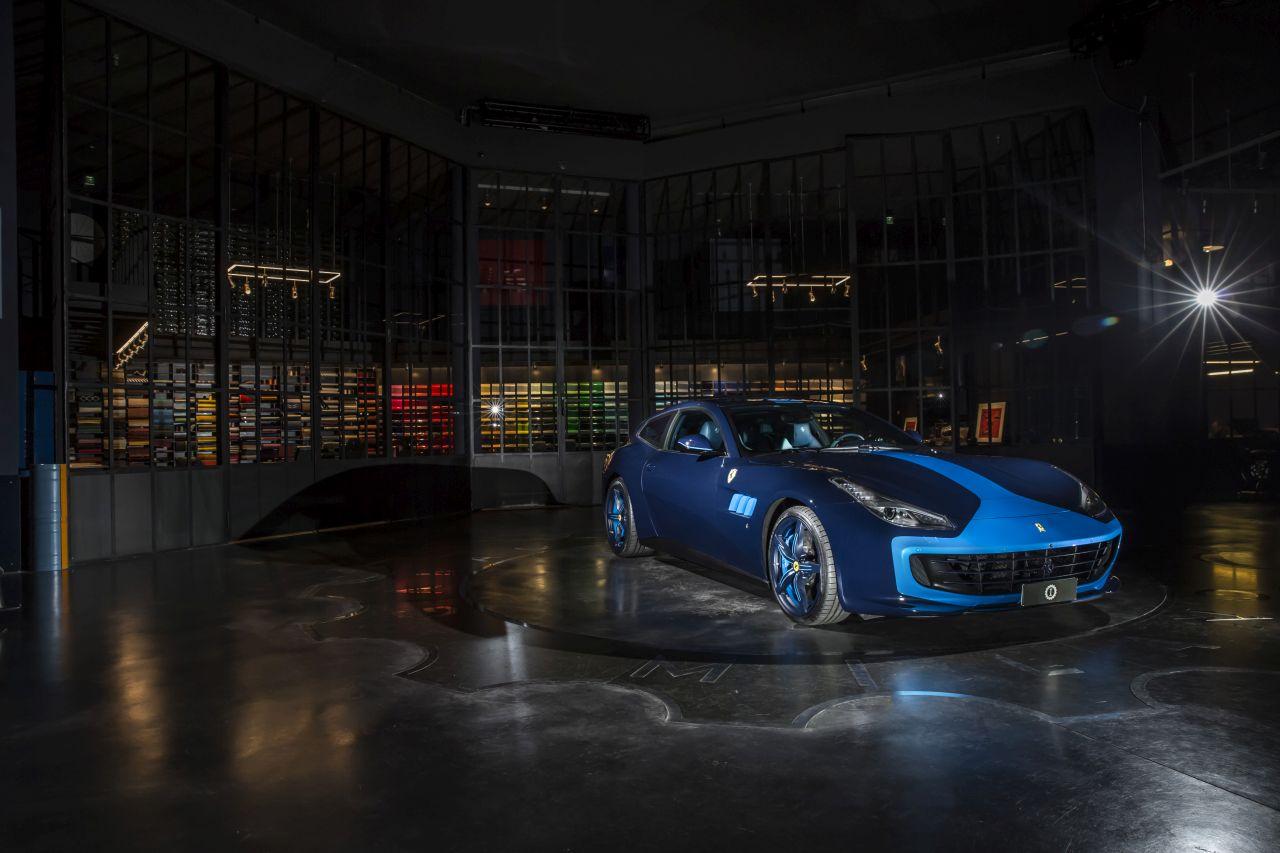 Ferrari GTC4Lusso Azzurra (1)