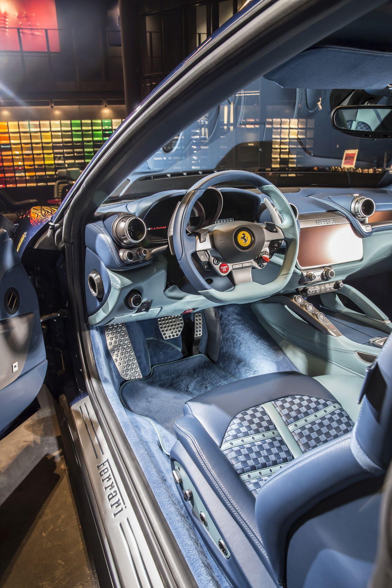 Ferrari GTC4Lusso Azzurra (11)