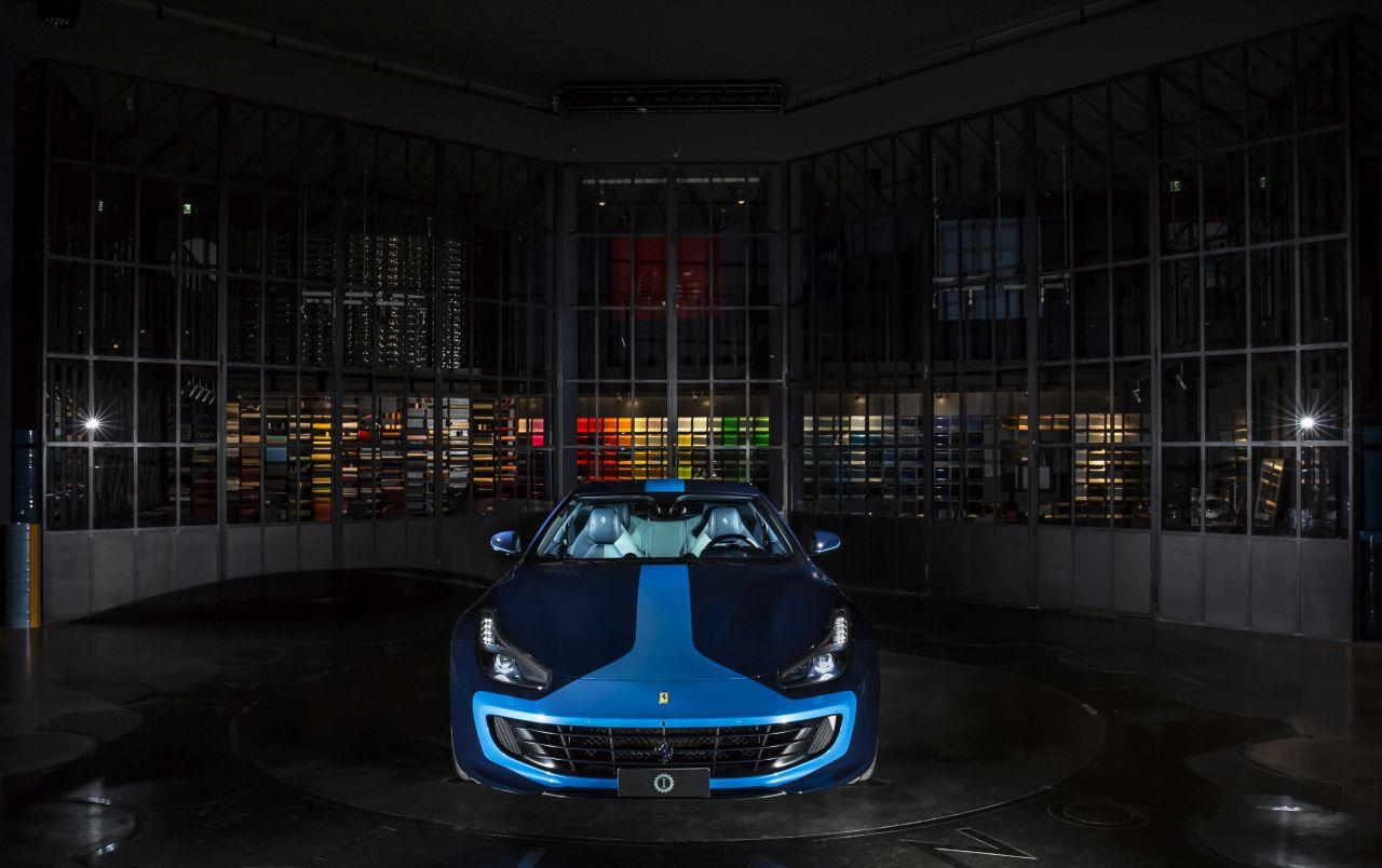 Ferrari GTC4Lusso Azzurra (2)