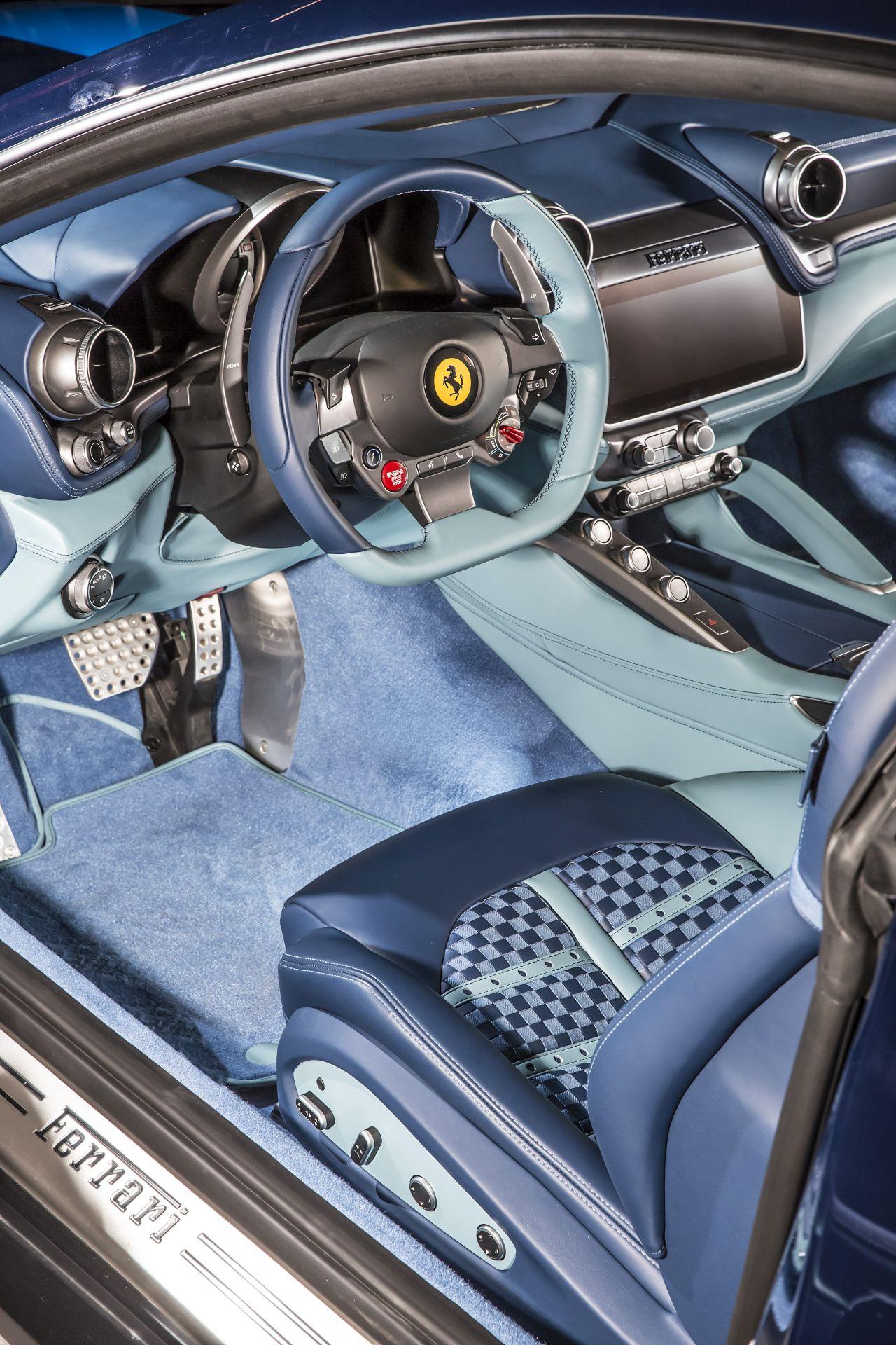 Ferrari GTC4Lusso Azzurra (20)