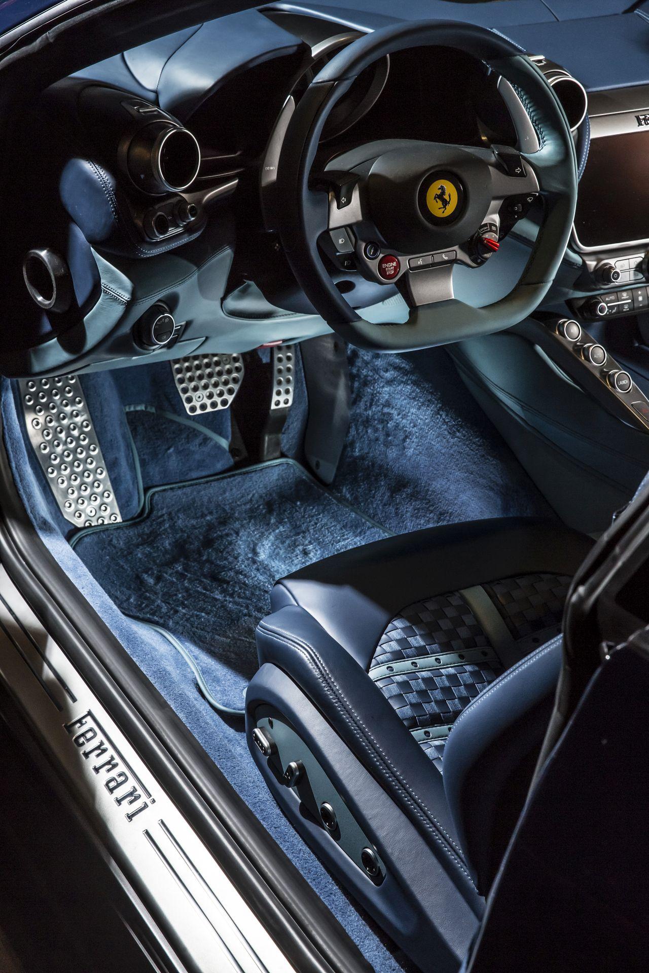 Ferrari GTC4Lusso Azzurra (26)
