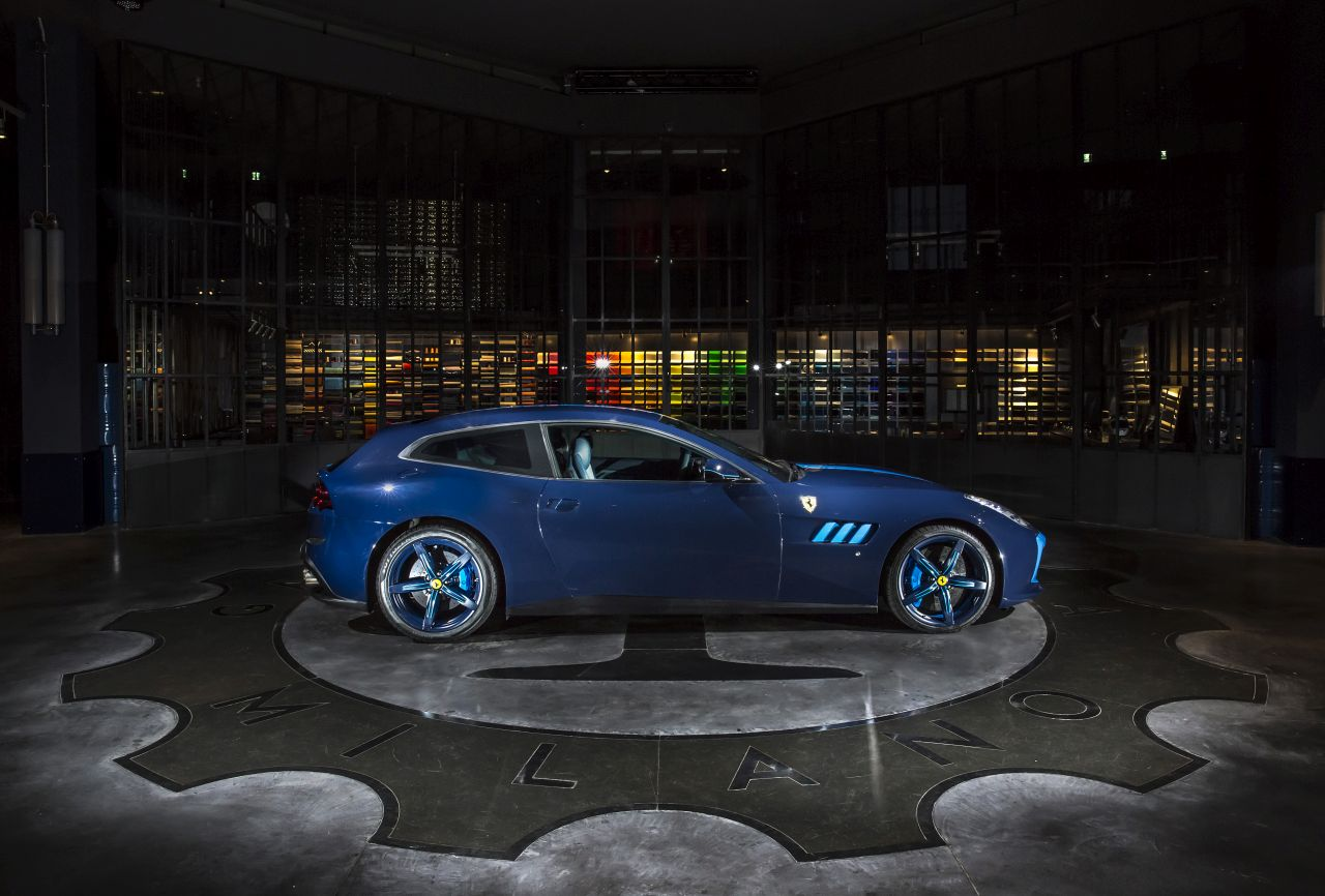 Ferrari GTC4Lusso Azzurra (6)