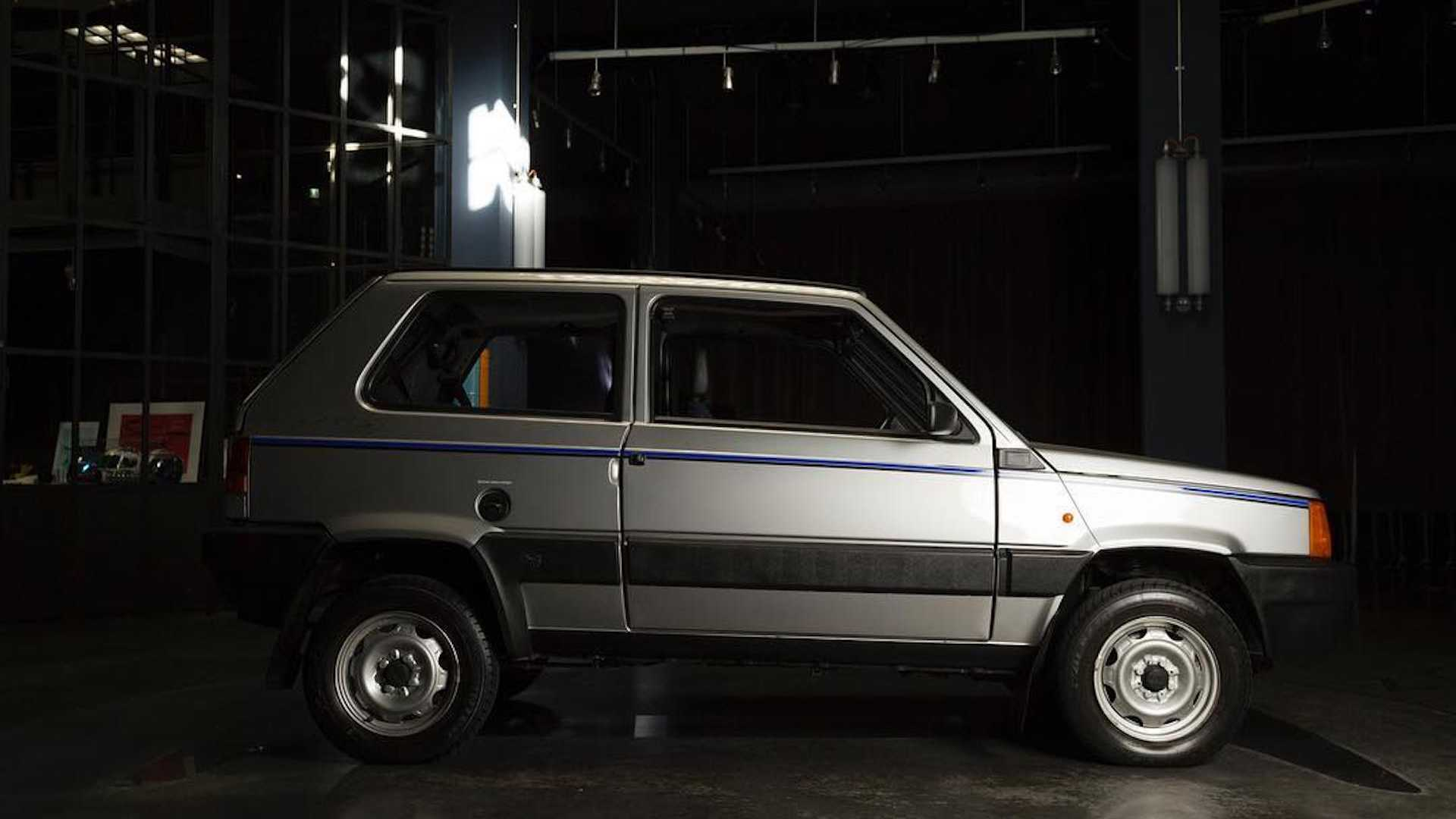 Fiat Panda 4x4 restored by Garage Italia Customs (2)