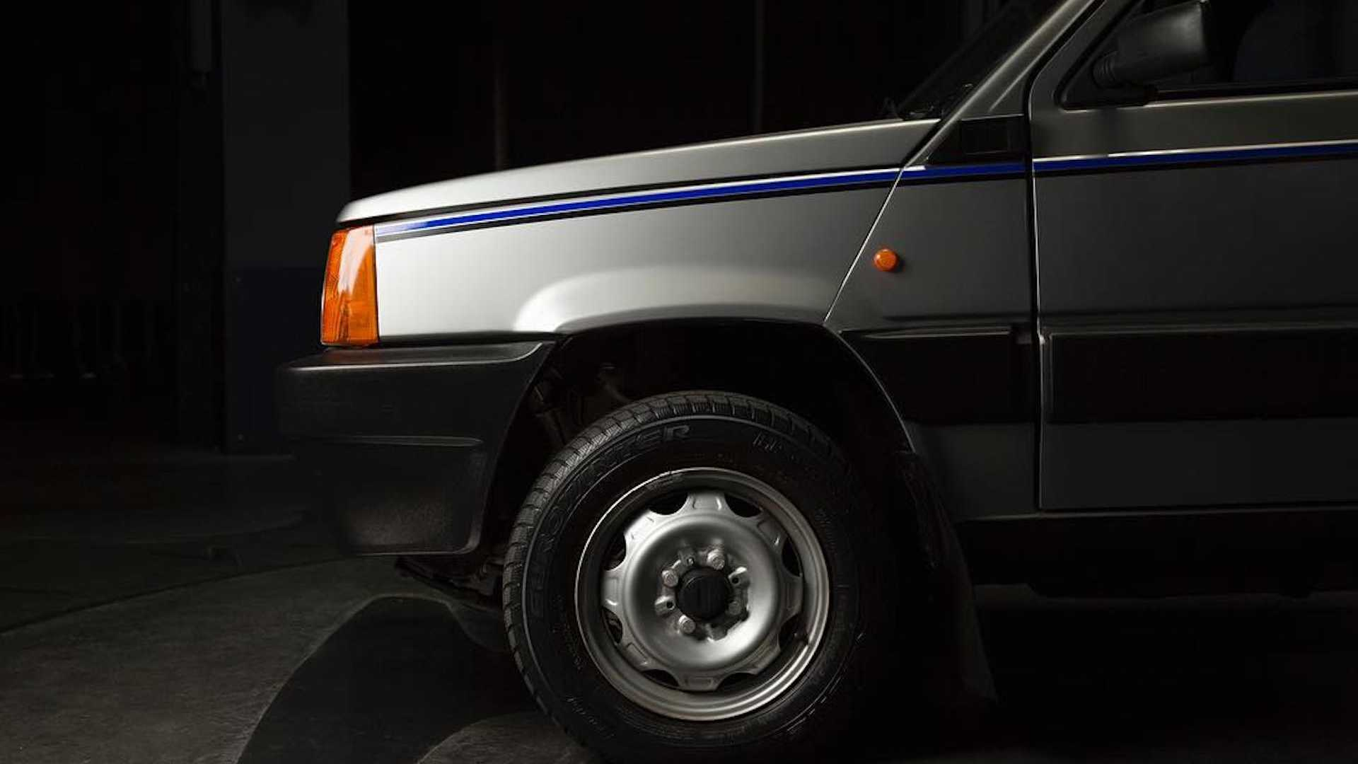 Fiat Panda 4x4 restored by Garage Italia Customs (3)