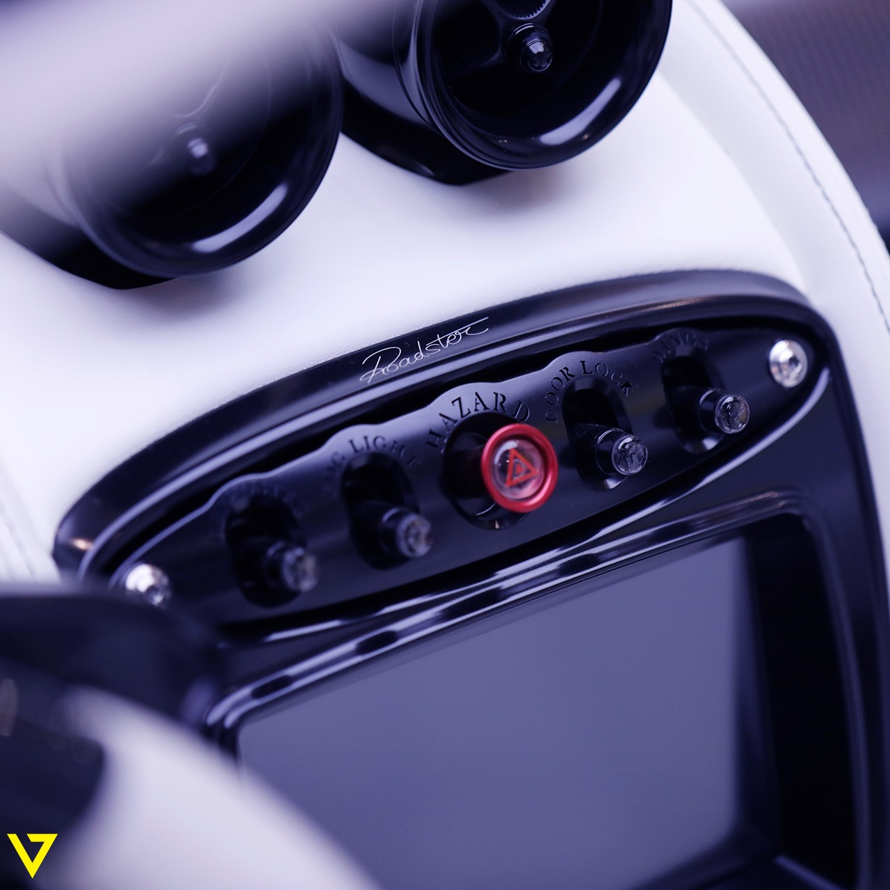 Pagani_Huayra_Roadster_sale_0001