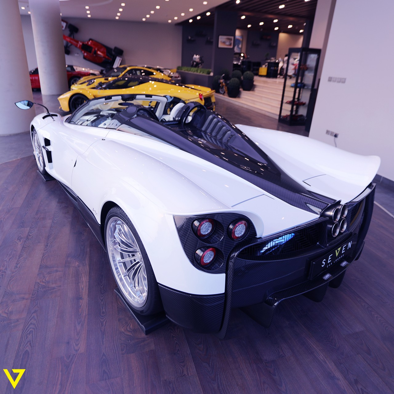 Pagani_Huayra_Roadster_sale_0008