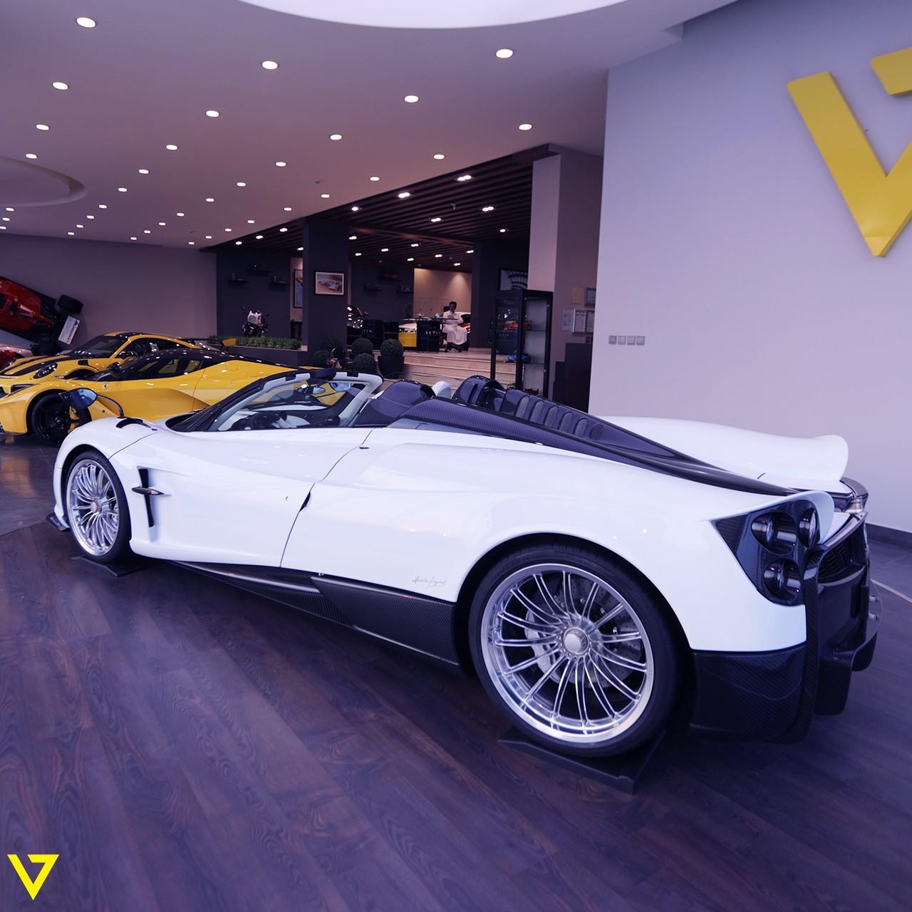 Pagani_Huayra_Roadster_sale_0009