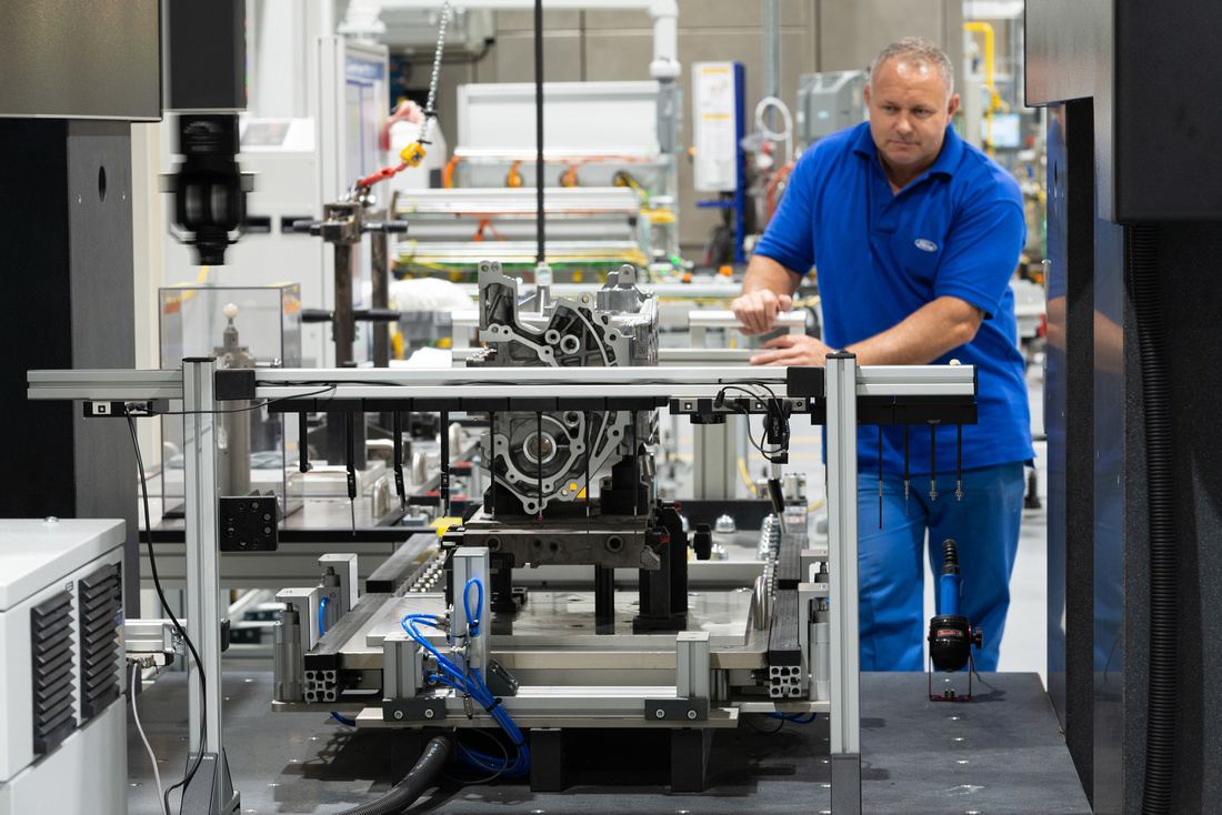 05 Ford Bridgend - all-new 1.5L 3Cylinder engine line