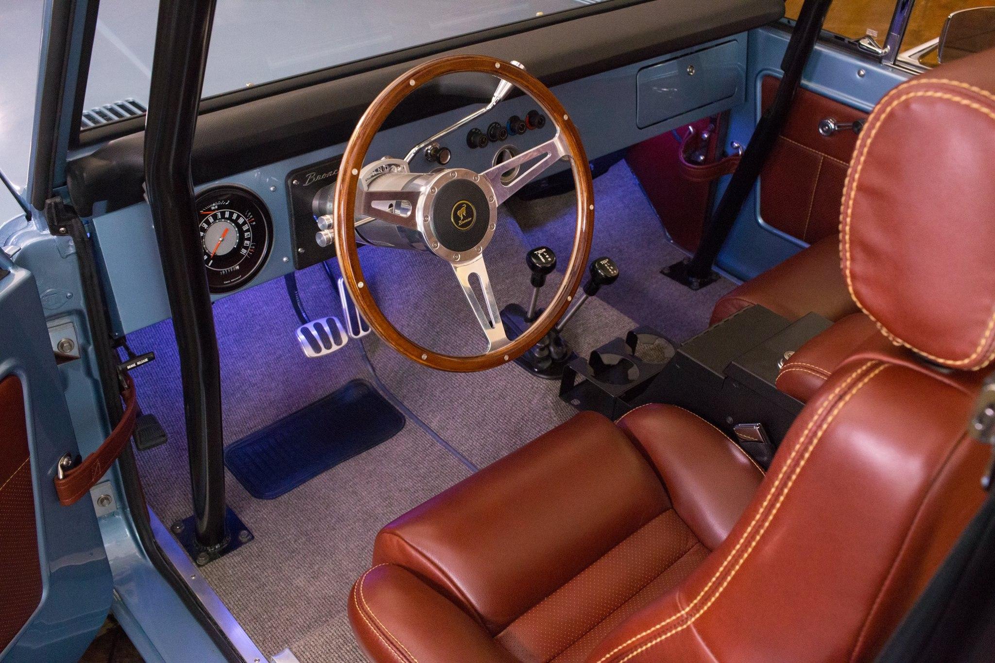 Ford_Bronco_Gateway_0000