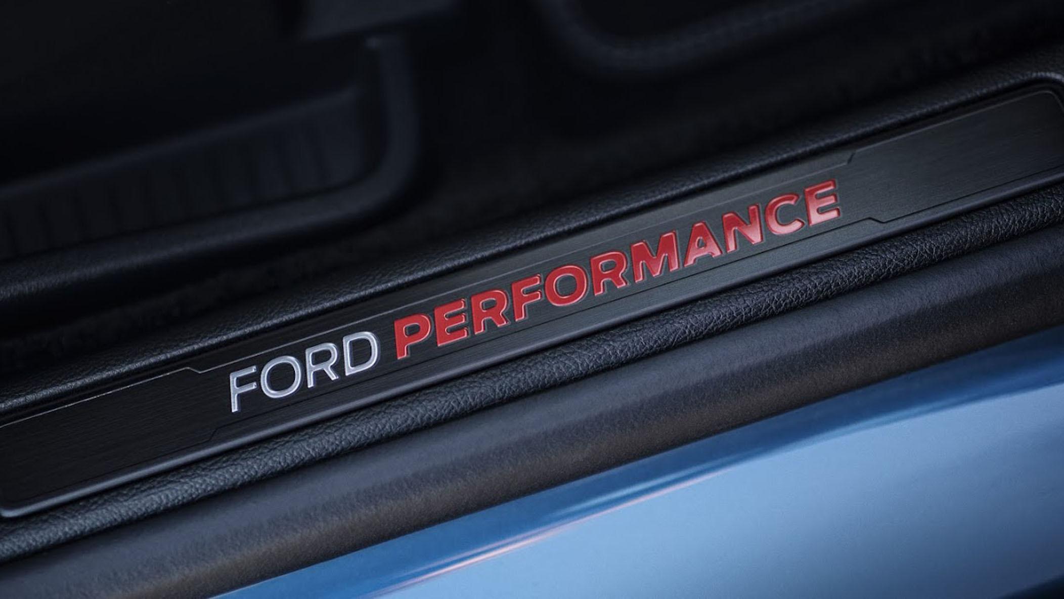 2019-ford-edge-st-7-1