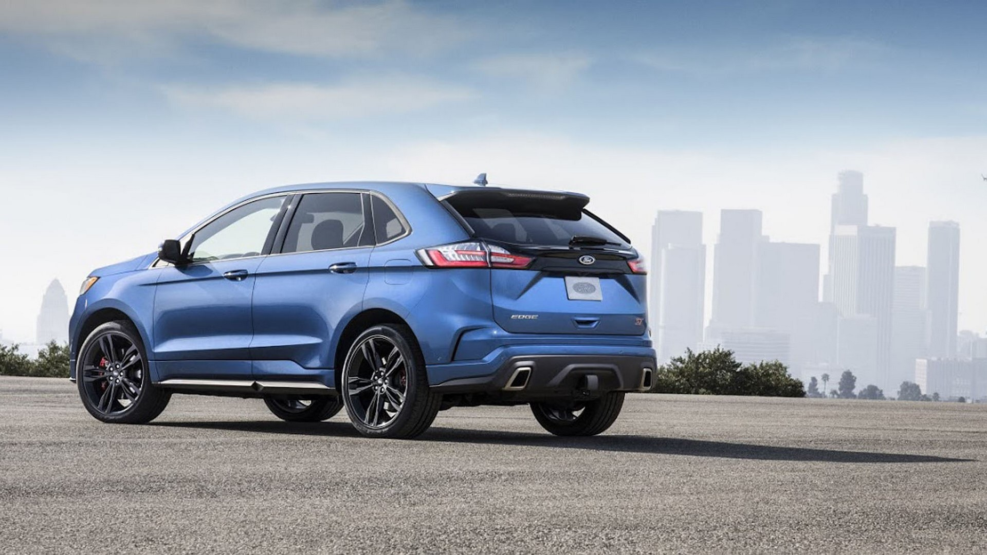 2019-ford-edge-st-2-1
