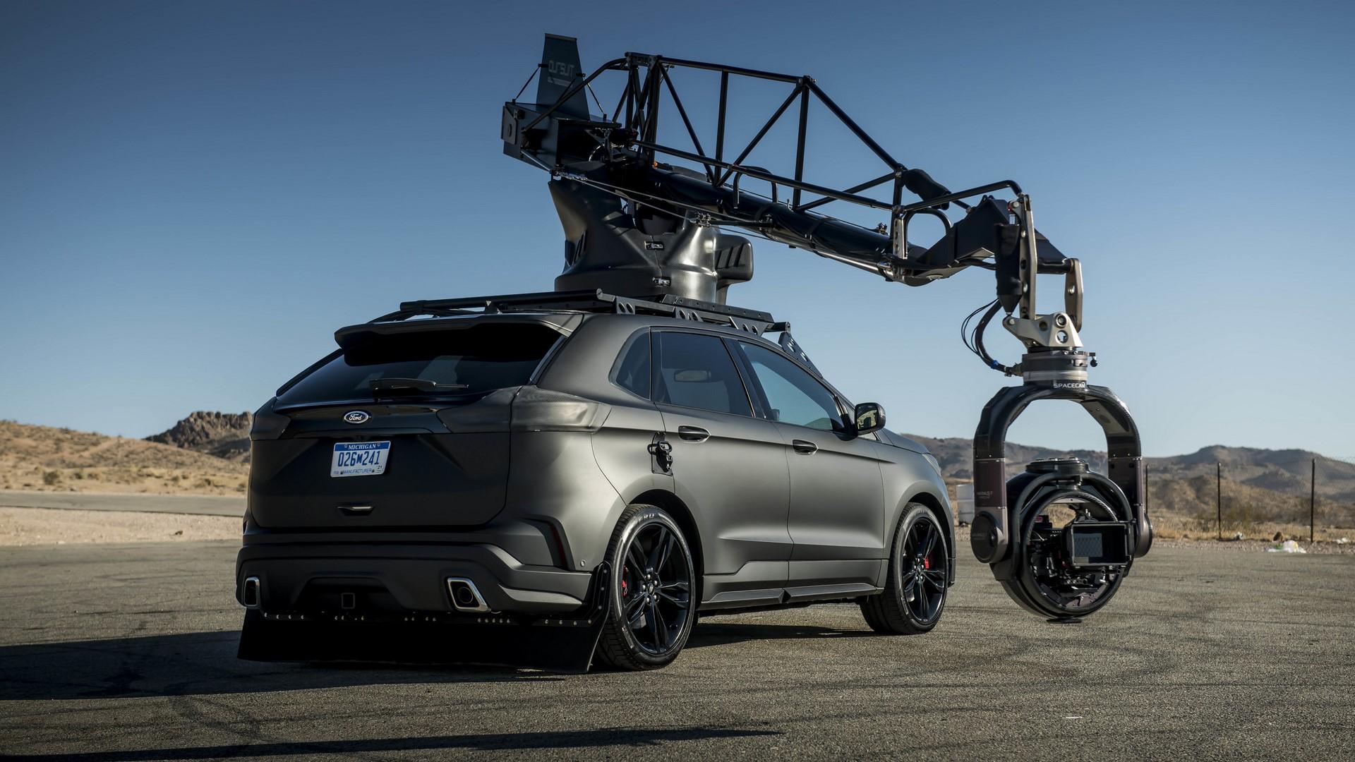 Ford Edge ST Camera Car (32)