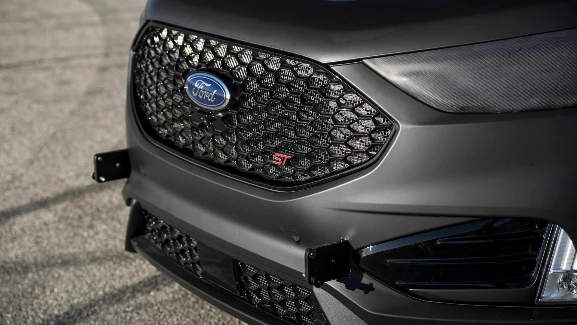 Ford Edge ST Camera Car (34)