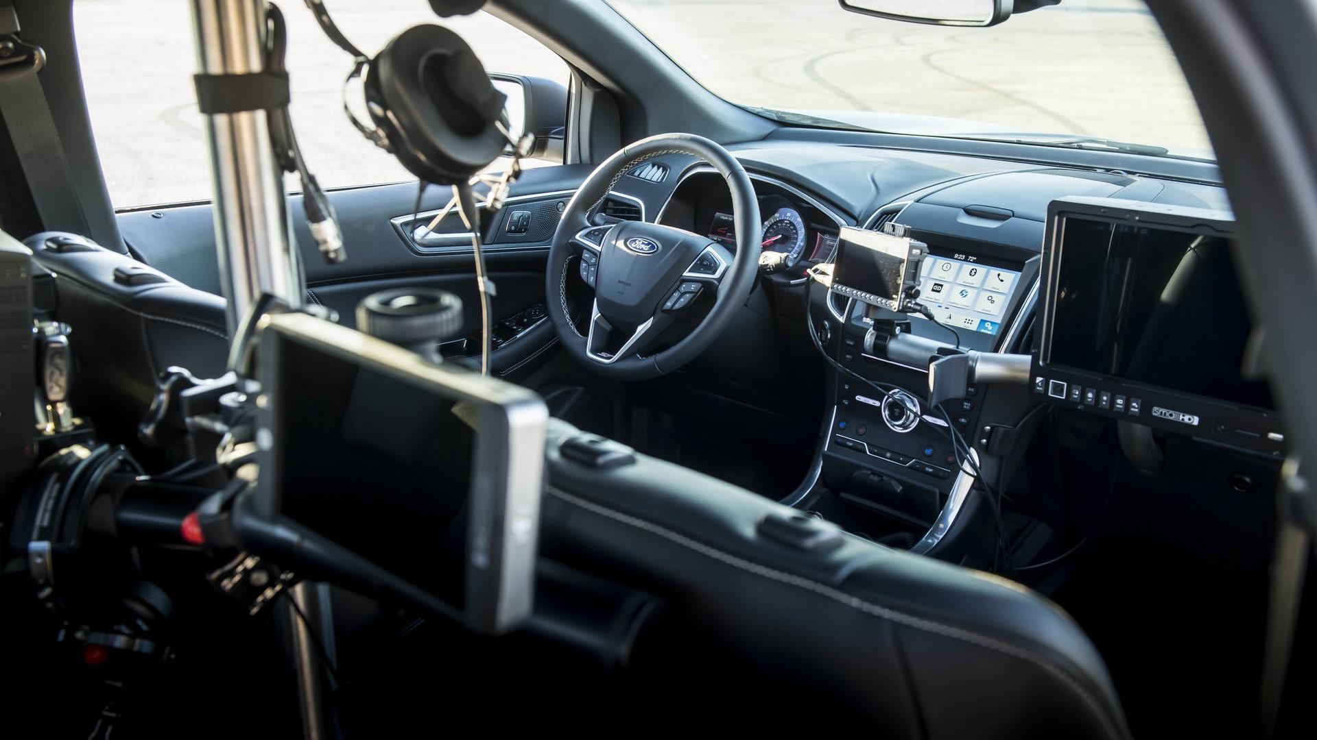 Ford Edge ST Camera Car (38)