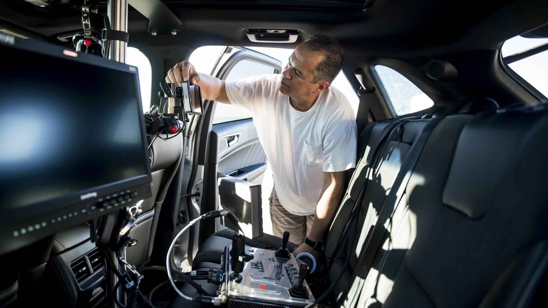 Ford Edge ST Camera Car (39)