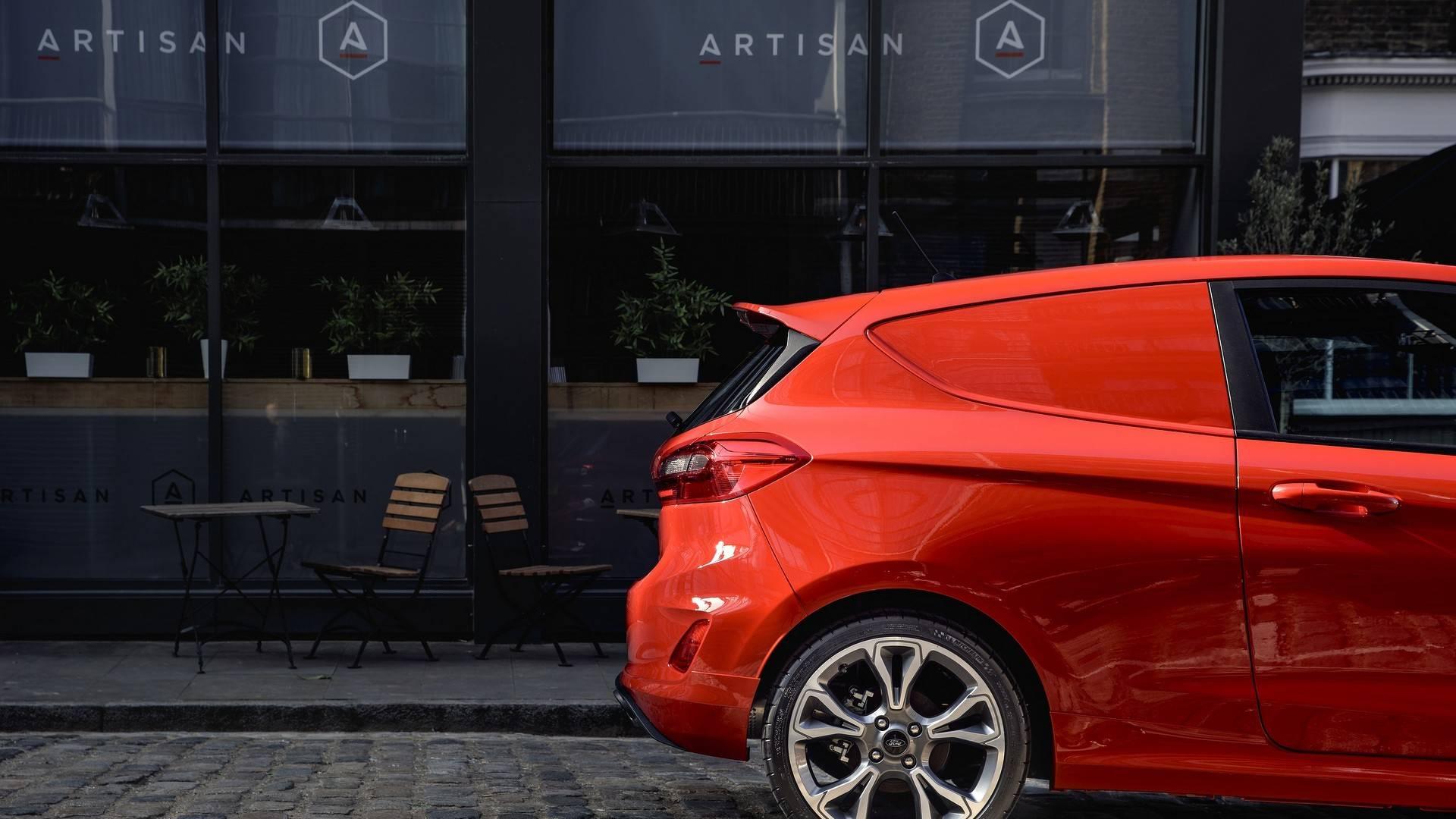 Ford_Fiesta_Sport_Van_0001