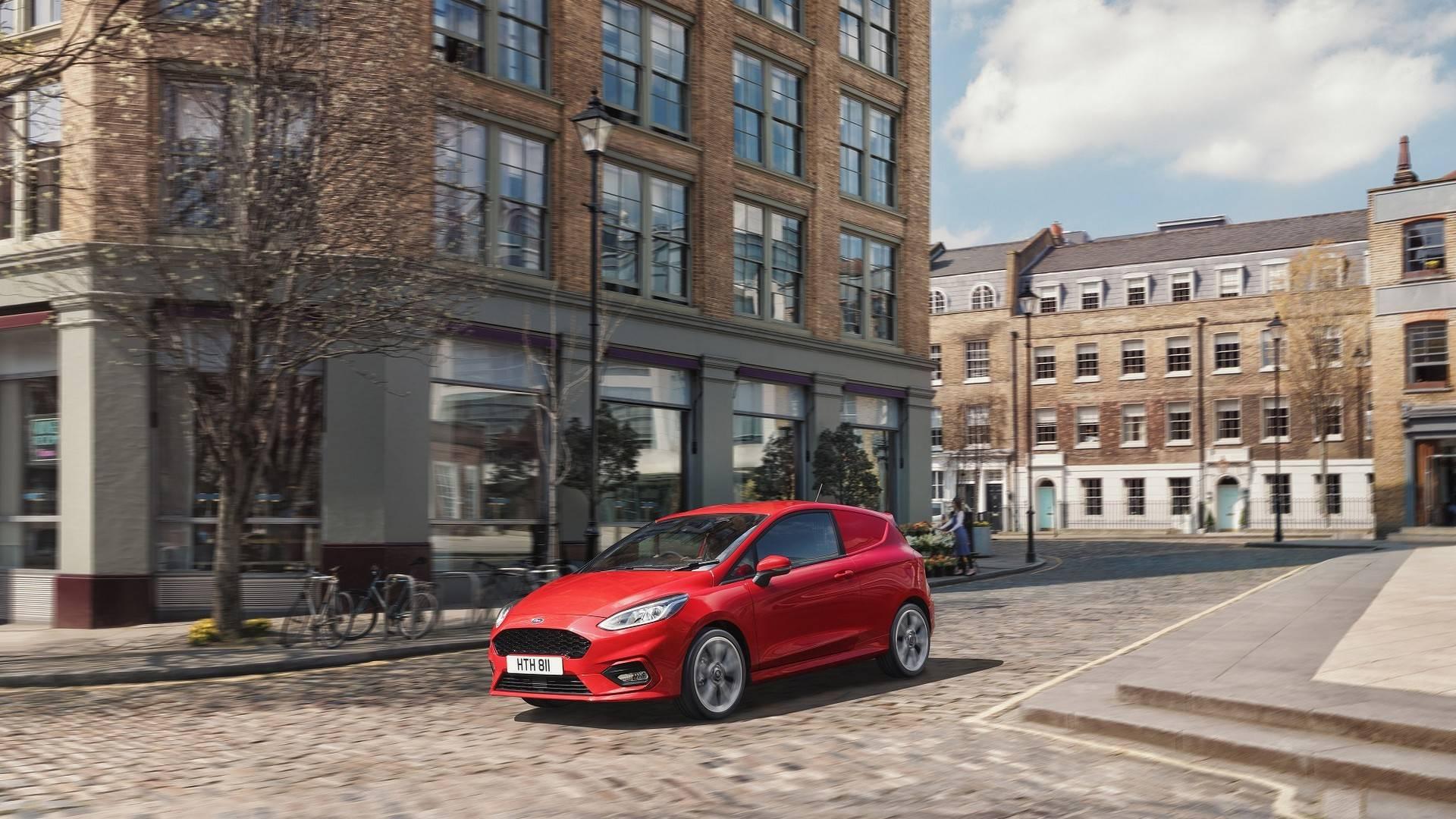 Ford_Fiesta_Sport_Van_0005