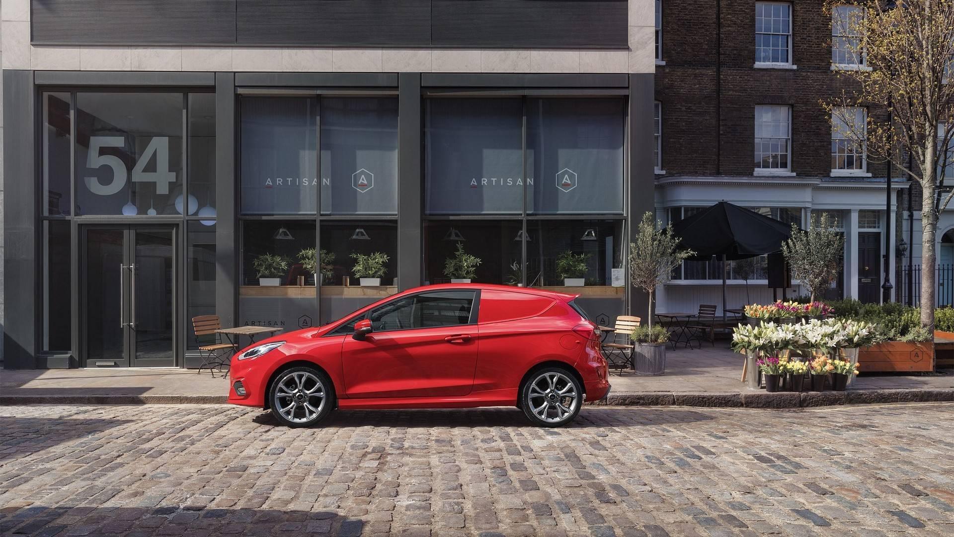 Ford_Fiesta_Sport_Van_0006