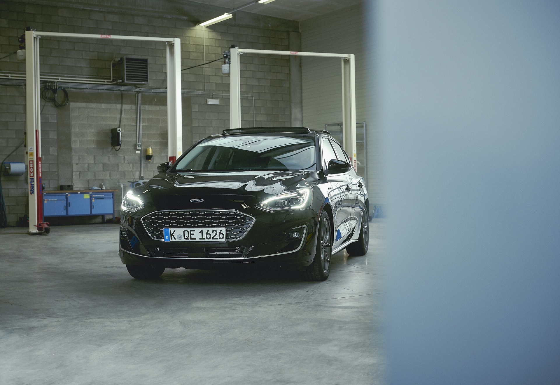 Innovative Pothole Detection System Irons Out the Bumps for All-New Ford Focus Drivers