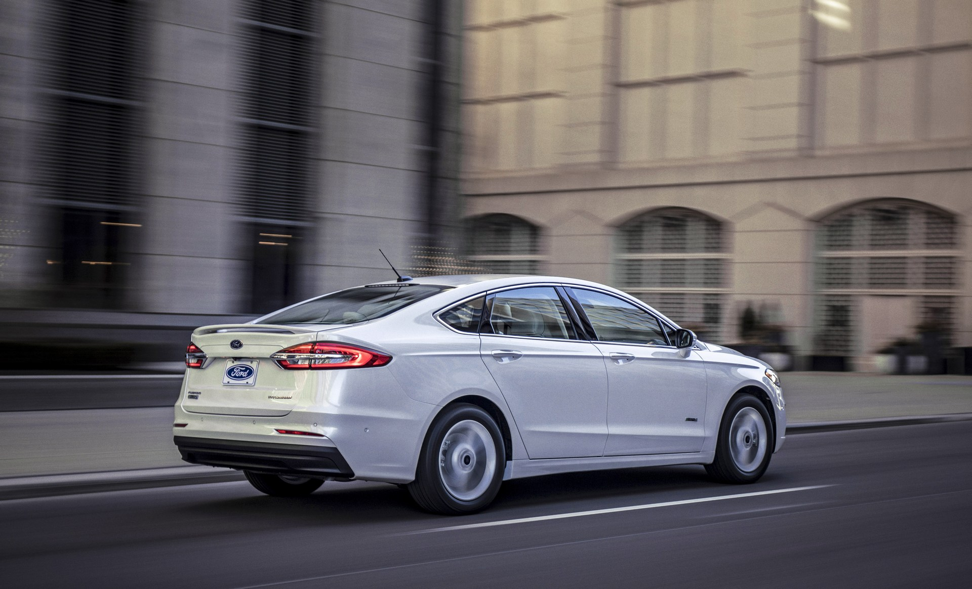2019-Ford-Fusion-4