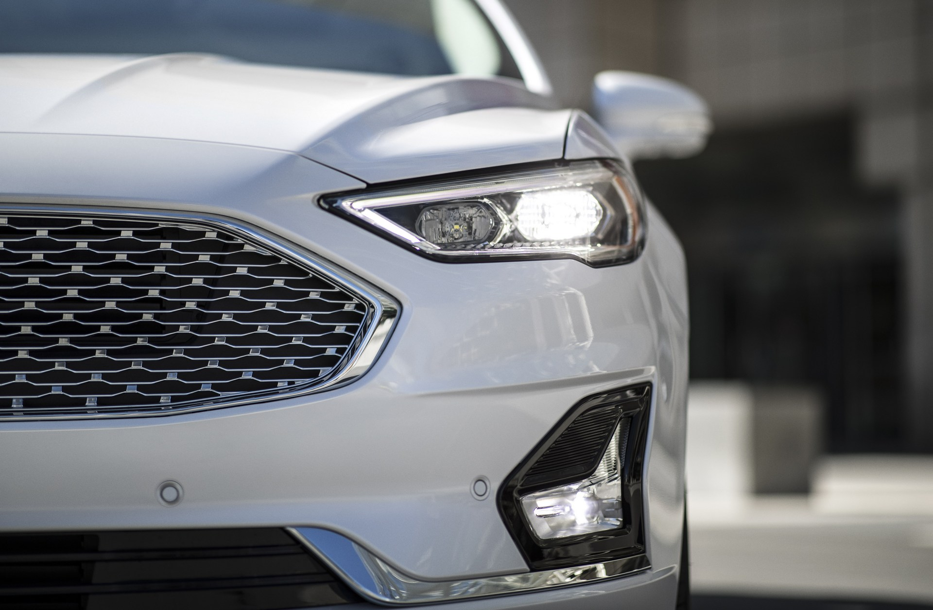 2019-Ford-Fusion-5