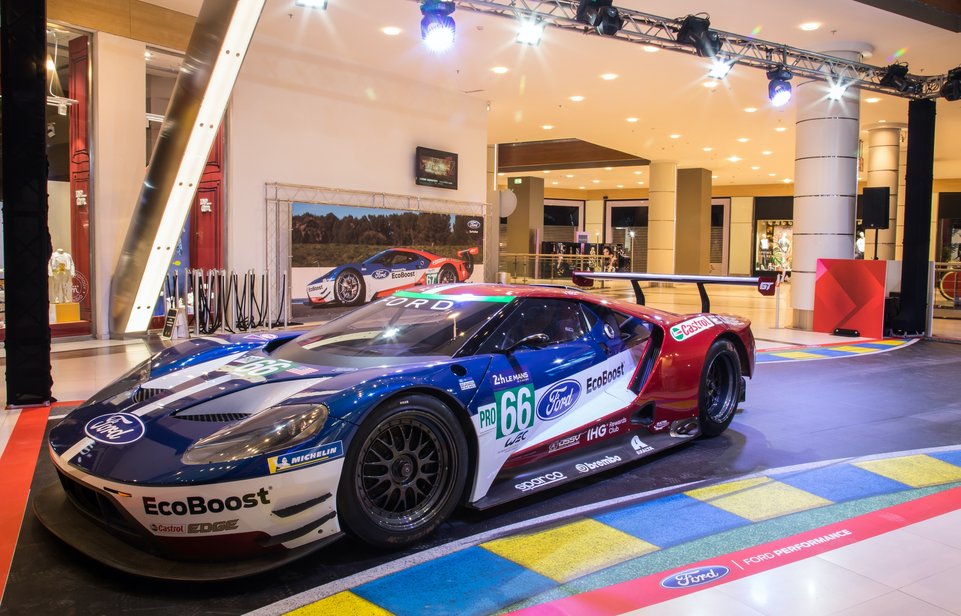 Ford_GT_Mall_0014