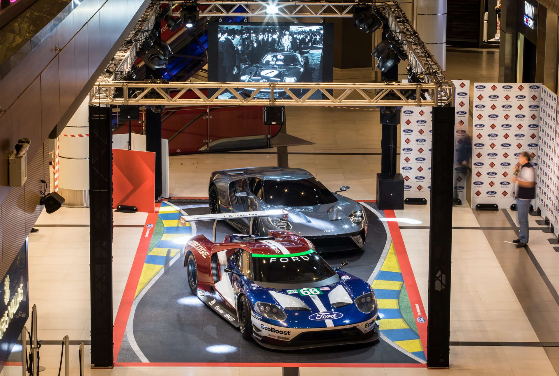Ford_GT_Mall_0023