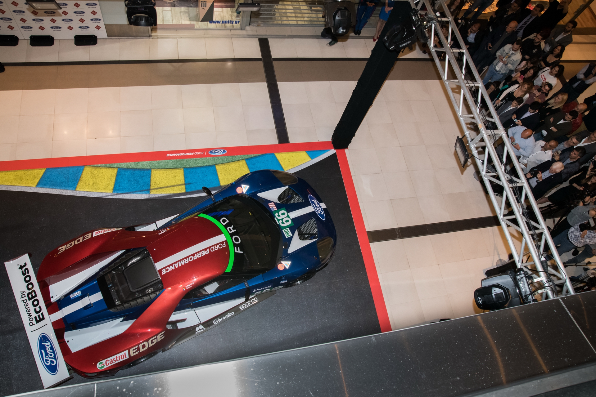 Ford_GT_at_The_Mall_0006