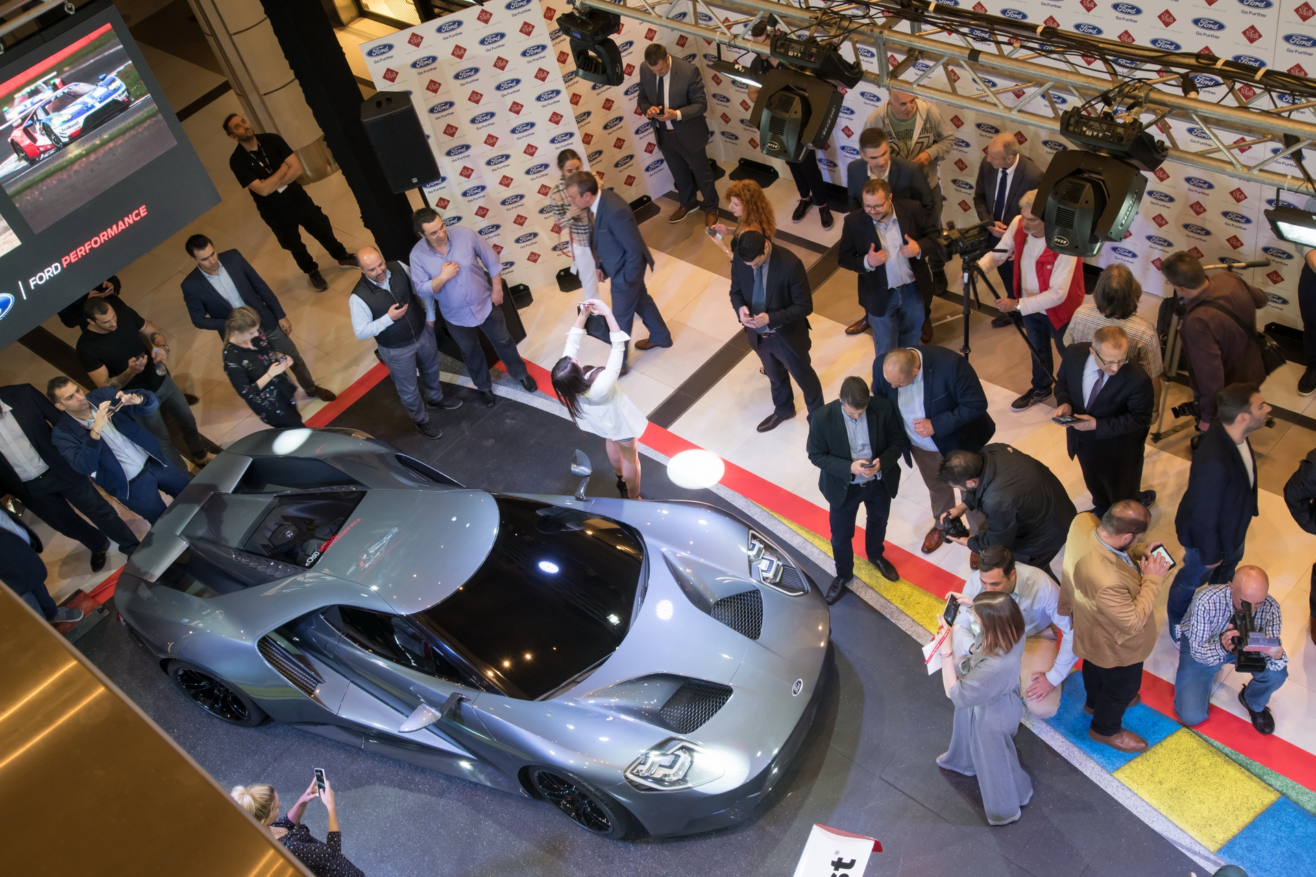 Ford_GT_at_The_Mall_0015