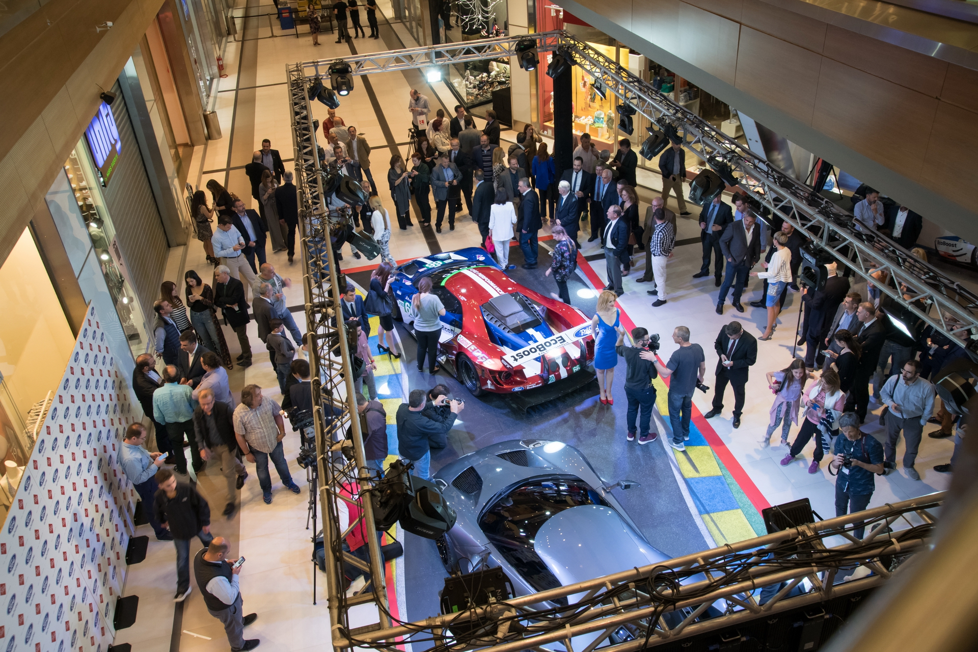 Ford_GT_at_The_Mall_0016