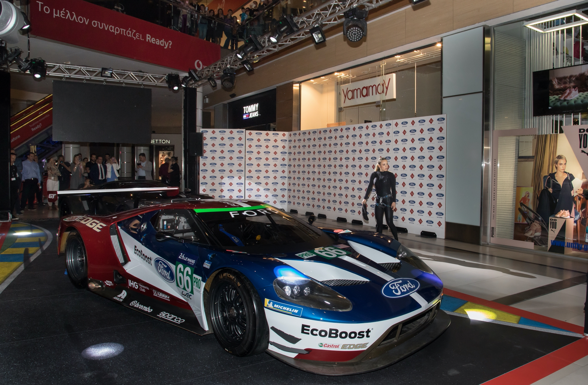 Ford_GT_at_The_Mall_0026