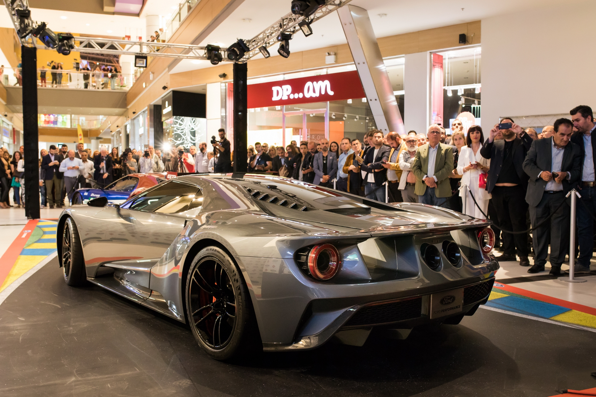 Ford_GT_at_The_Mall_0027