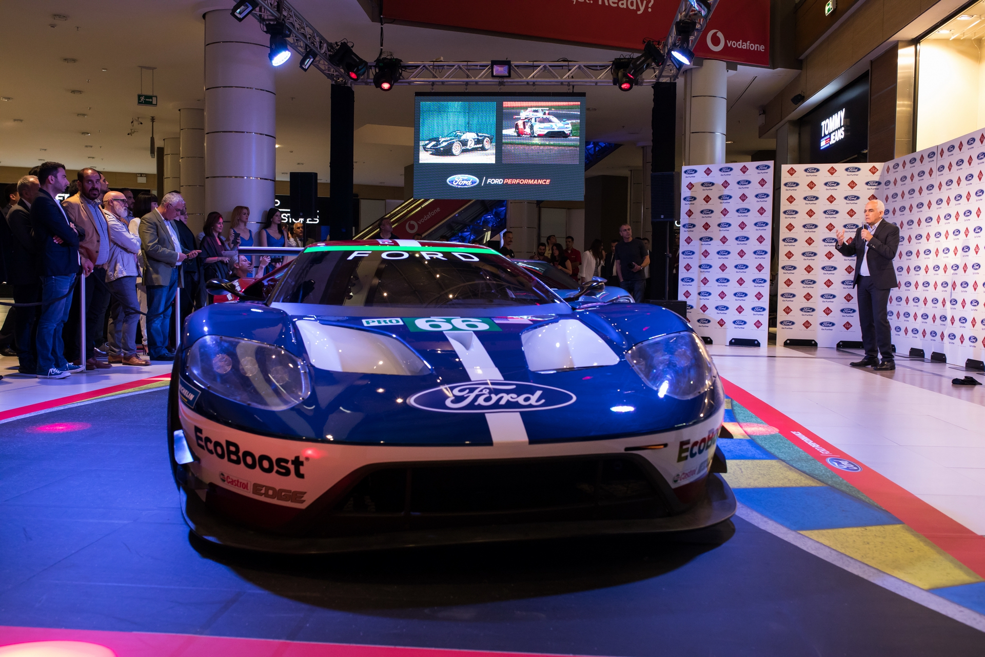 Ford_GT_at_The_Mall_0036