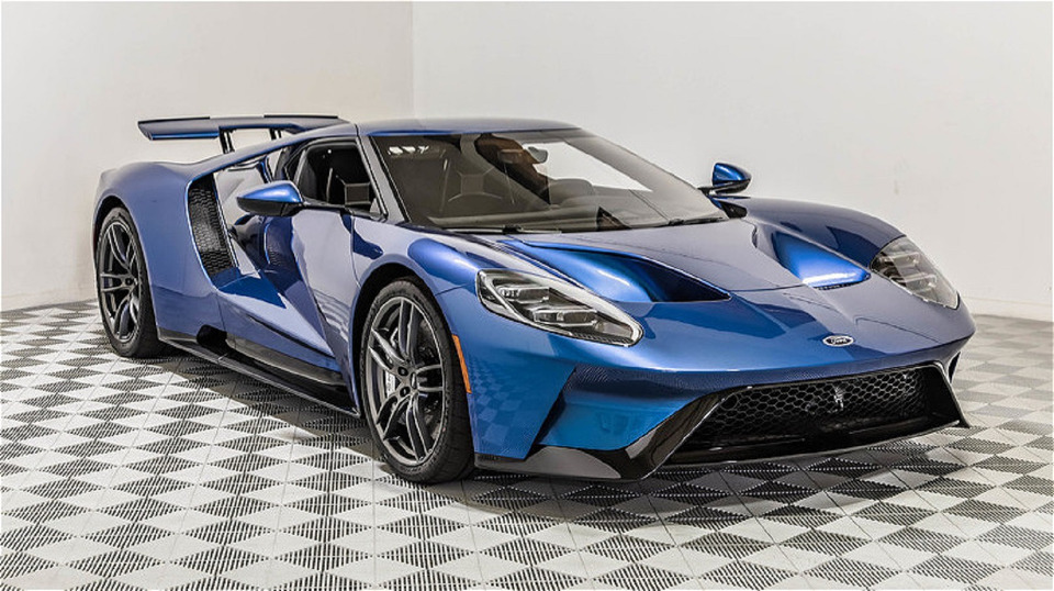 2017-ford-gt-1
