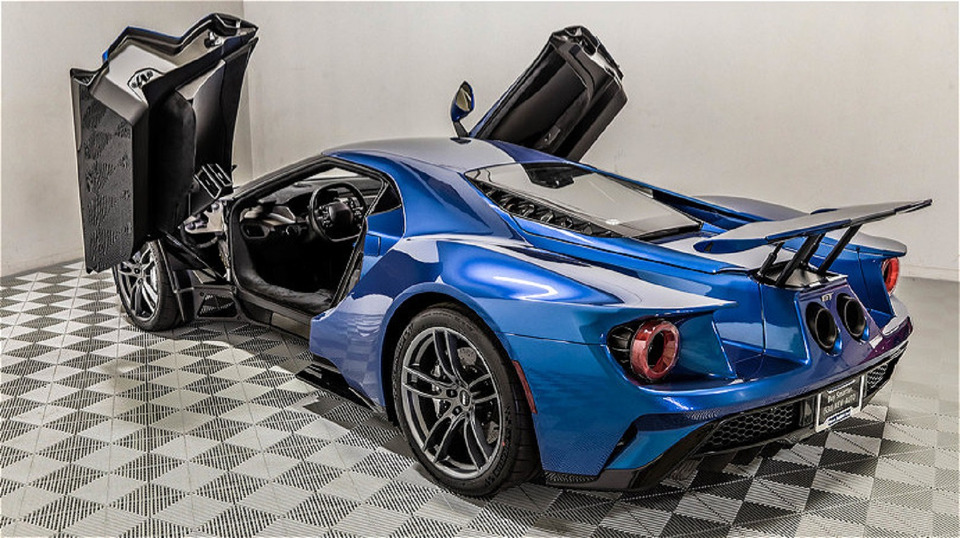 2017-ford-gt-2-1