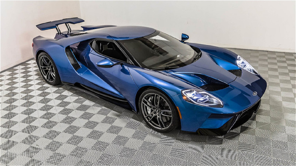 2017-ford-gt-3-1