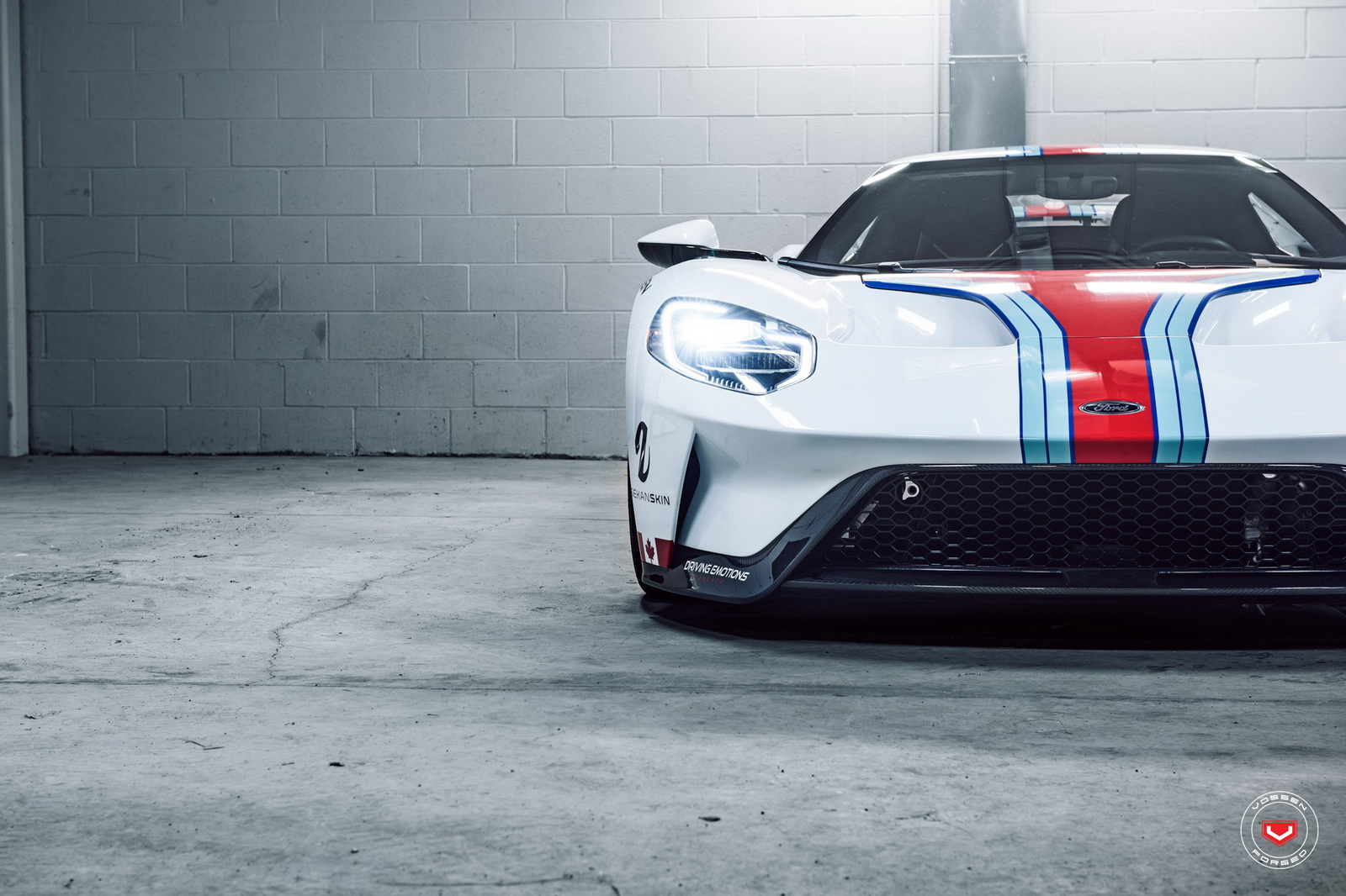 ford-gt-martini-livery-vossen-wheels-10