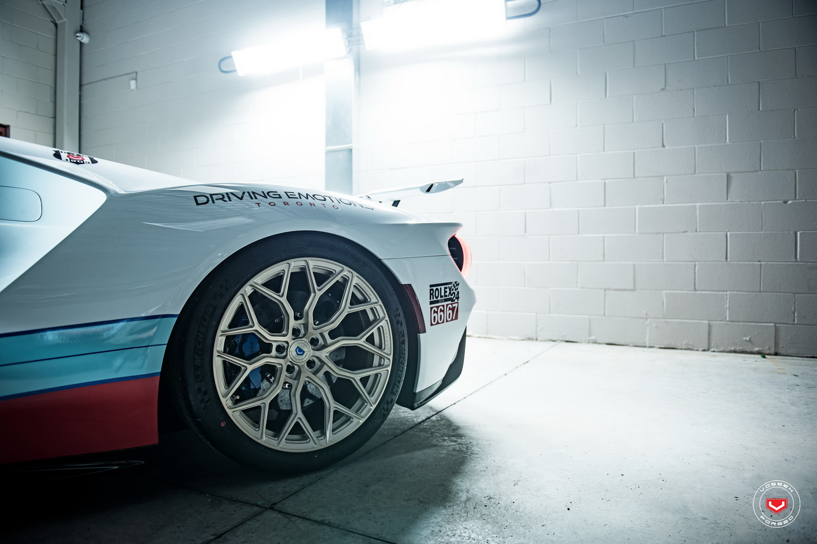 ford-gt-martini-livery-vossen-wheels-24