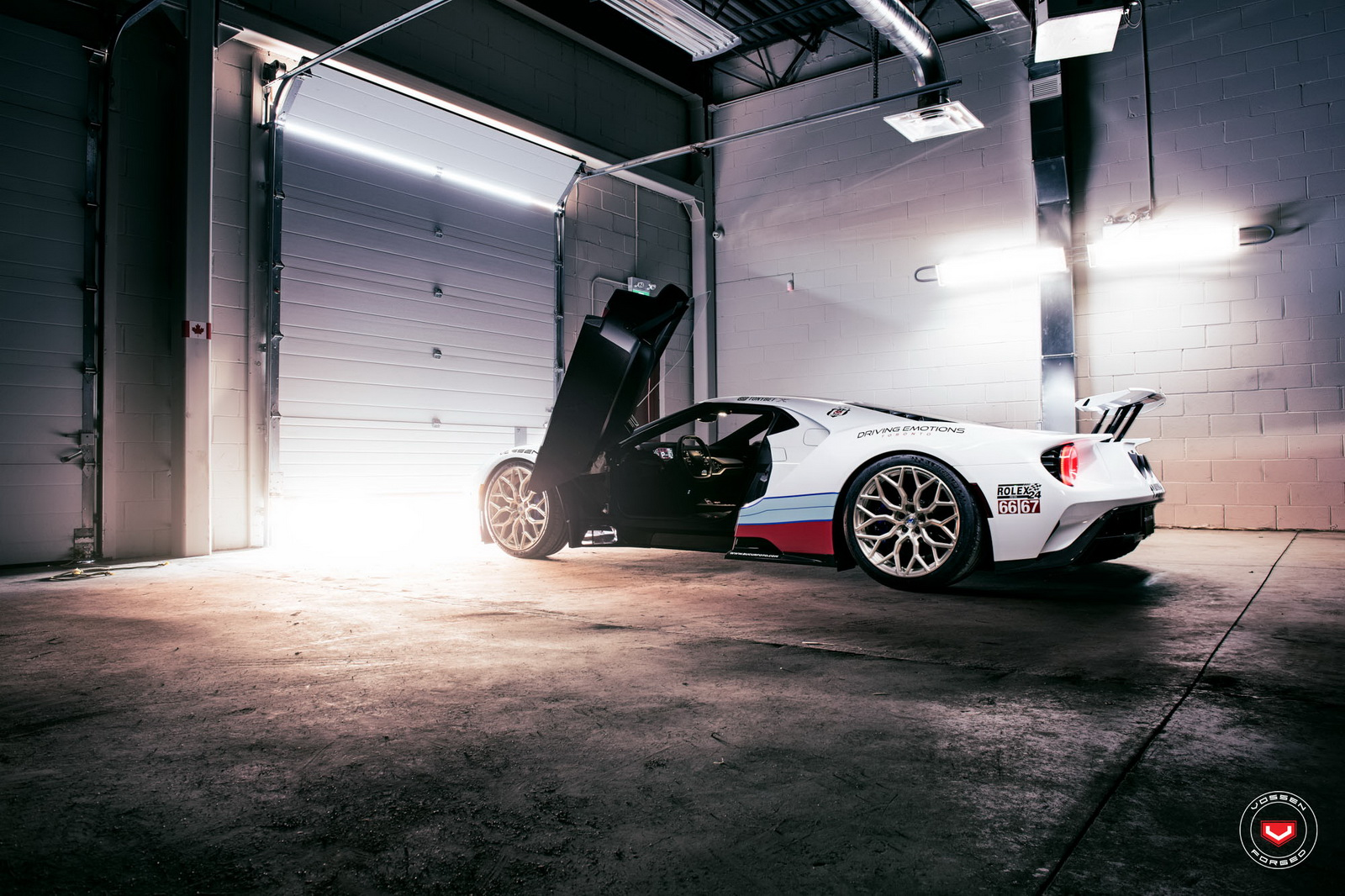 ford-gt-martini-livery-vossen-wheels-3