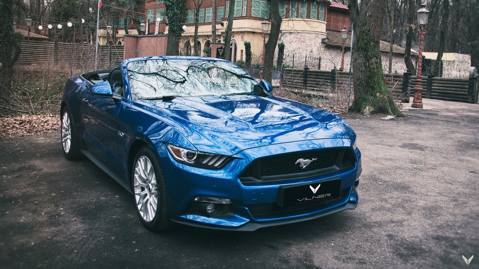 Ford_Mustang_GT_Convertible_Combo_12